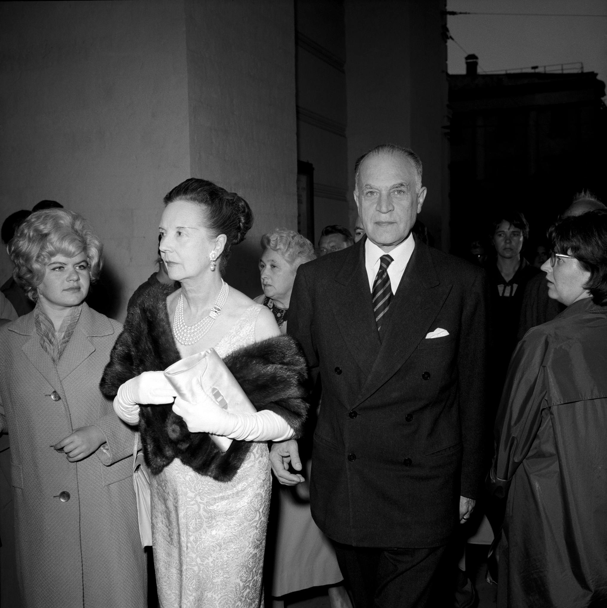 Элегантные советские знаменитости среди зрителей в премьерный вечер «Турандот».png