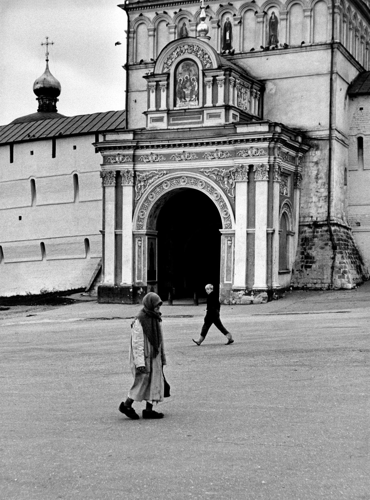 Загорск. Троице-Сергиева лавра. Святые ворота.jpg
