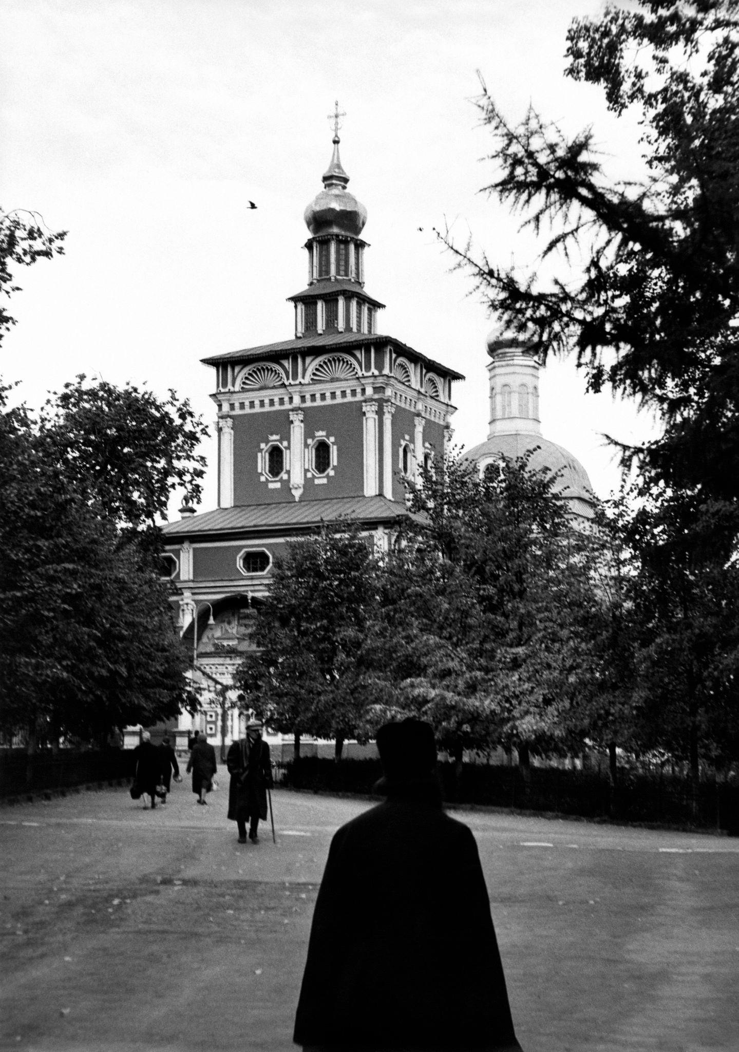 Загорск. Троице-Сергиева лавра. Церковь Рождества Иоанна Предтечи.jpg