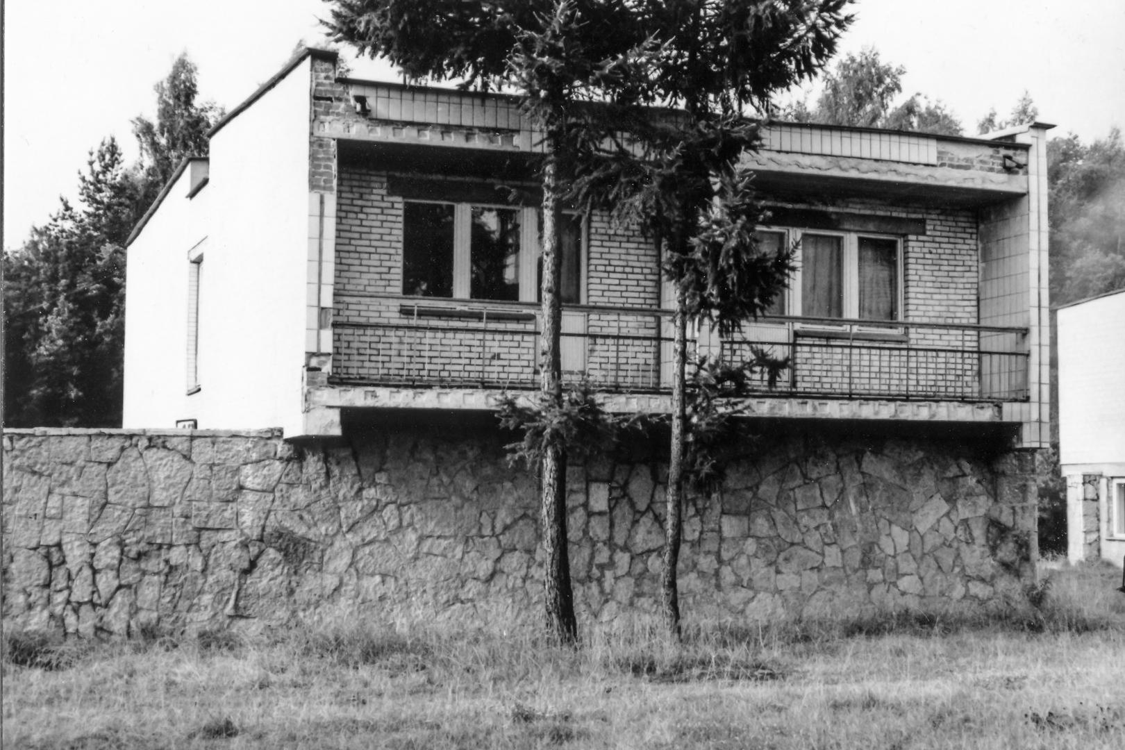 leningrad-1983-07jpg_40216845325_o.jpg