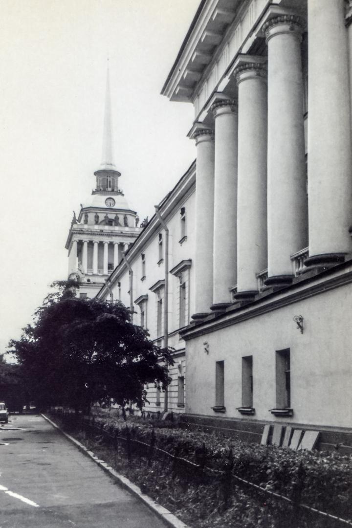 leningrad-1983-16jpg_26239936217_o.jpg