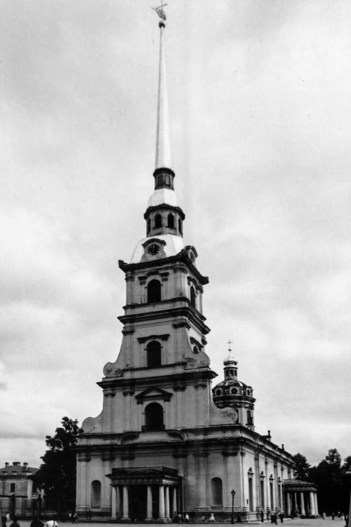 leningrad-1983-19jpg_26239941247_o.jpg