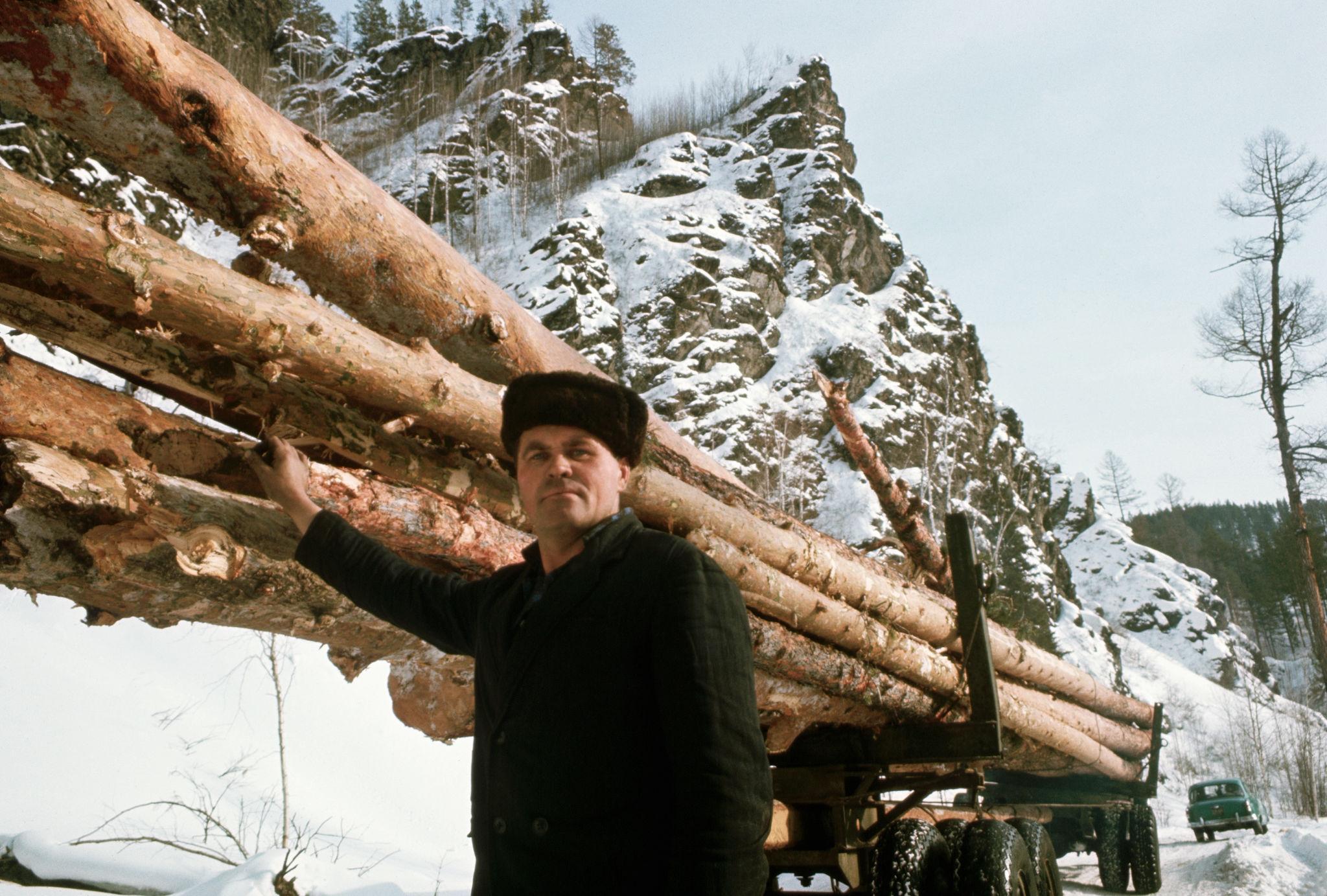 Поселок лесозаготовителей.jpg