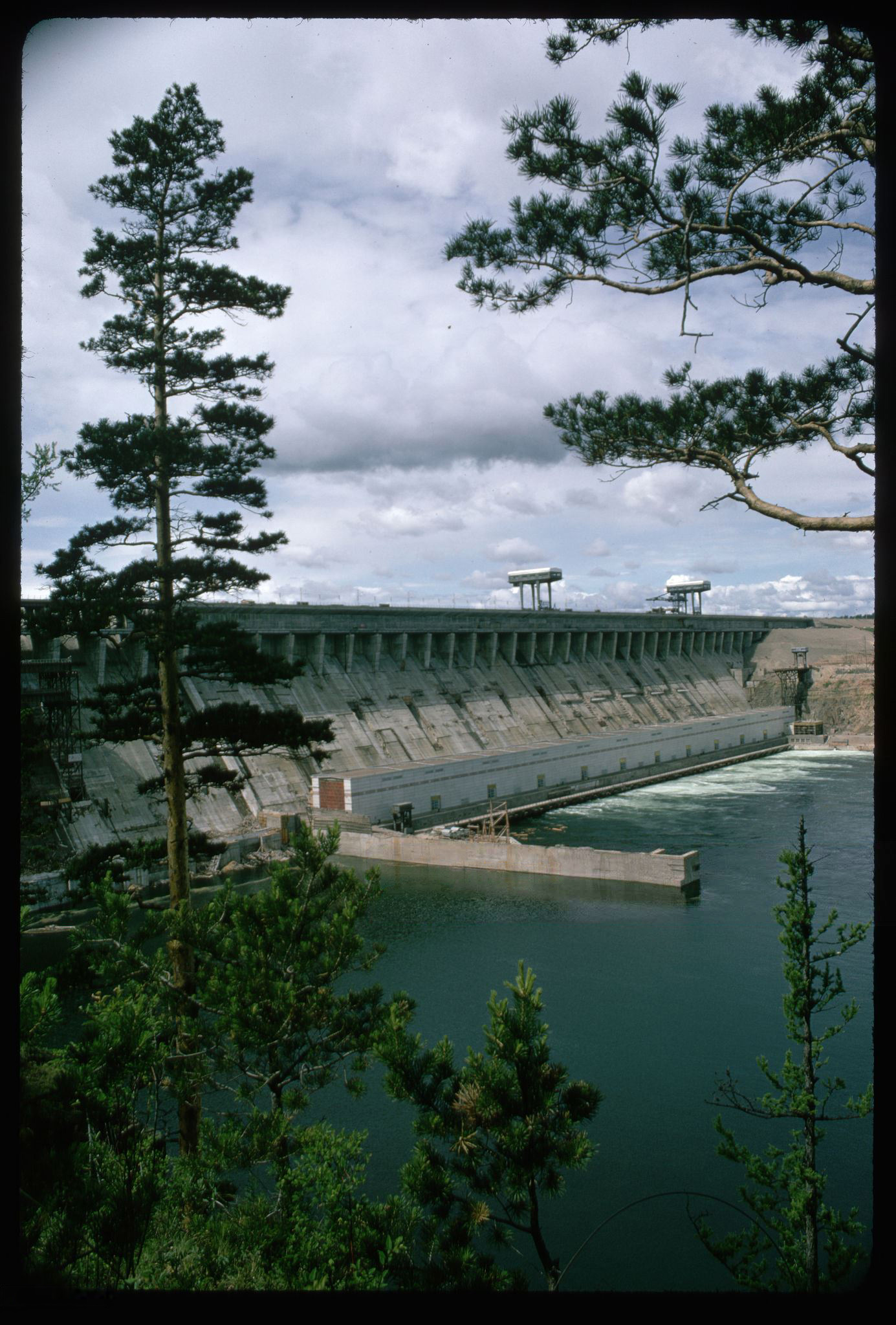 Братская ГЭС. 1967..jpg