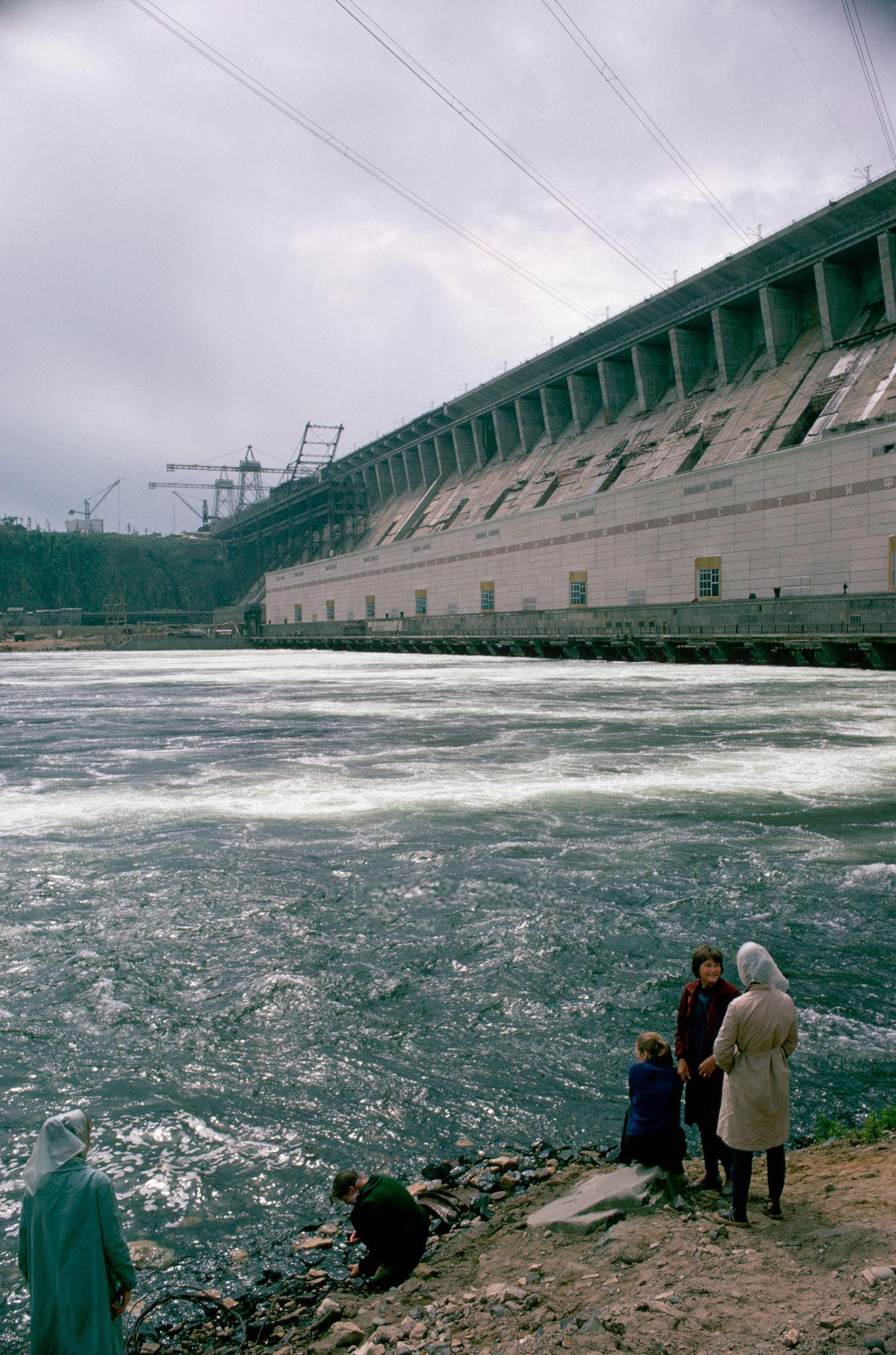 Братская ГЭС. 1967.jpg