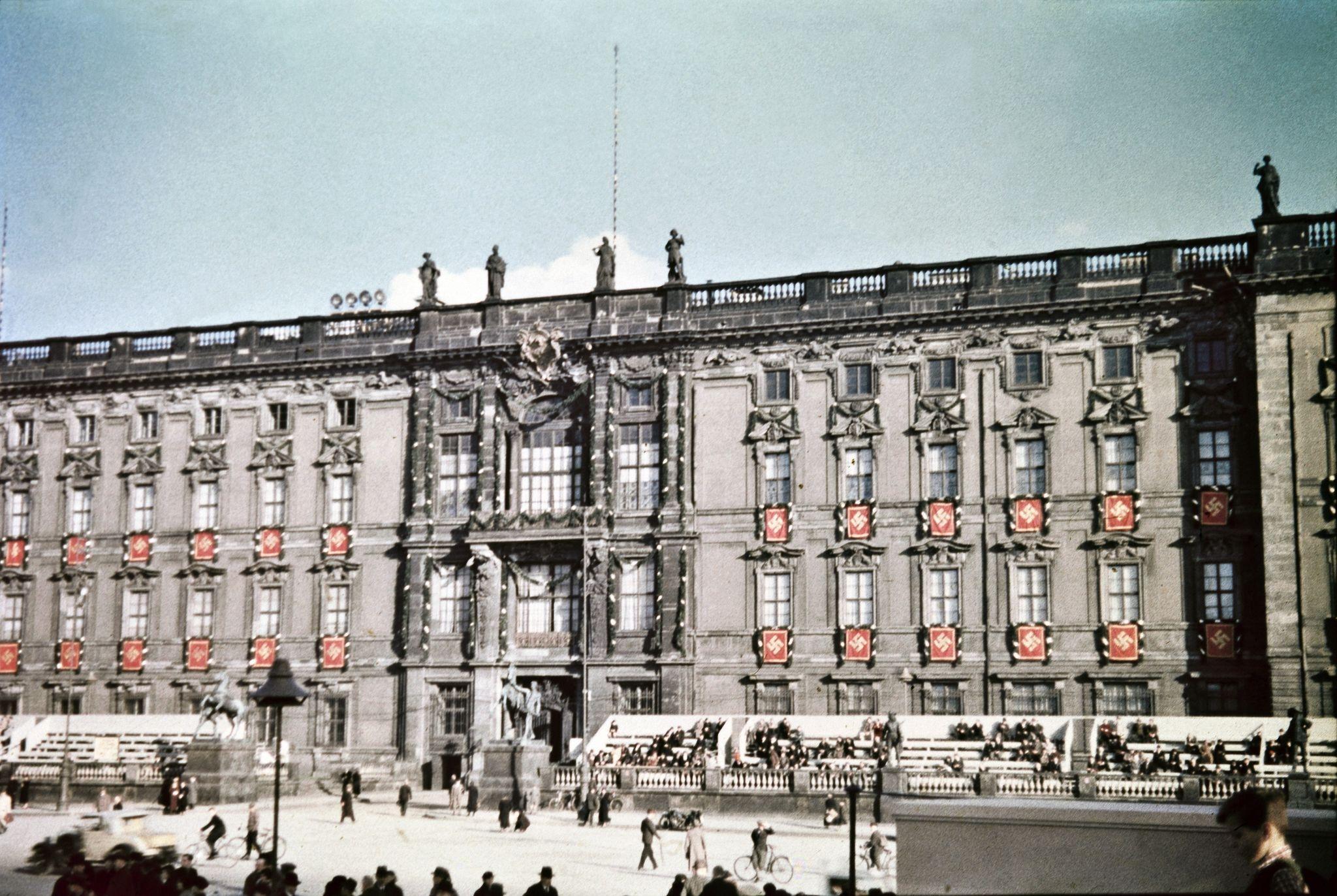 Украшенный северный фасад Берлинского городского дворца.jpg