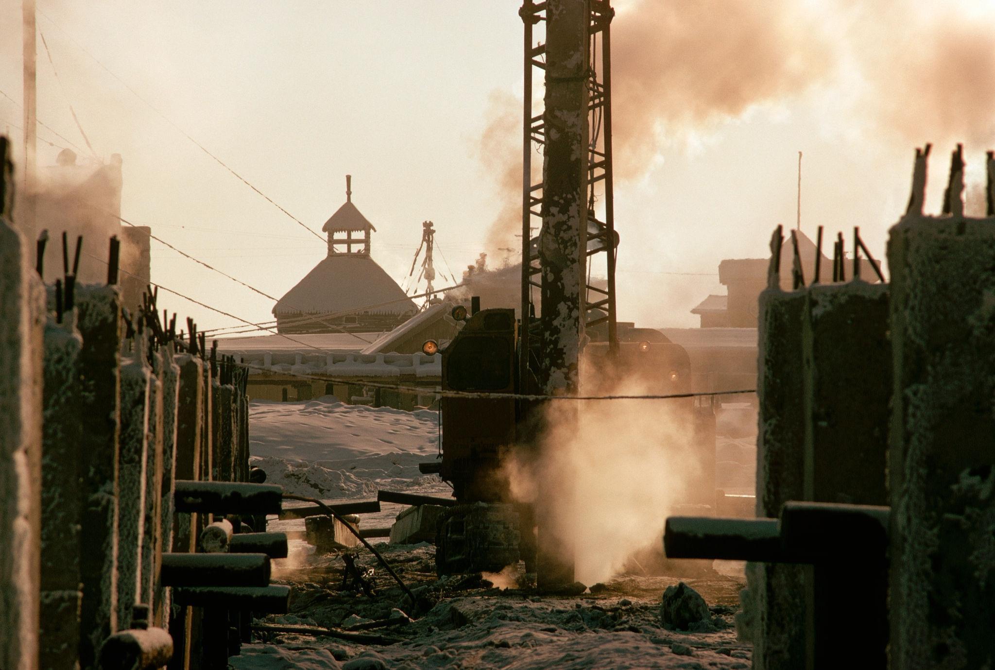 Якутск. Строительство в условиях вечной мерзлоты.jpg