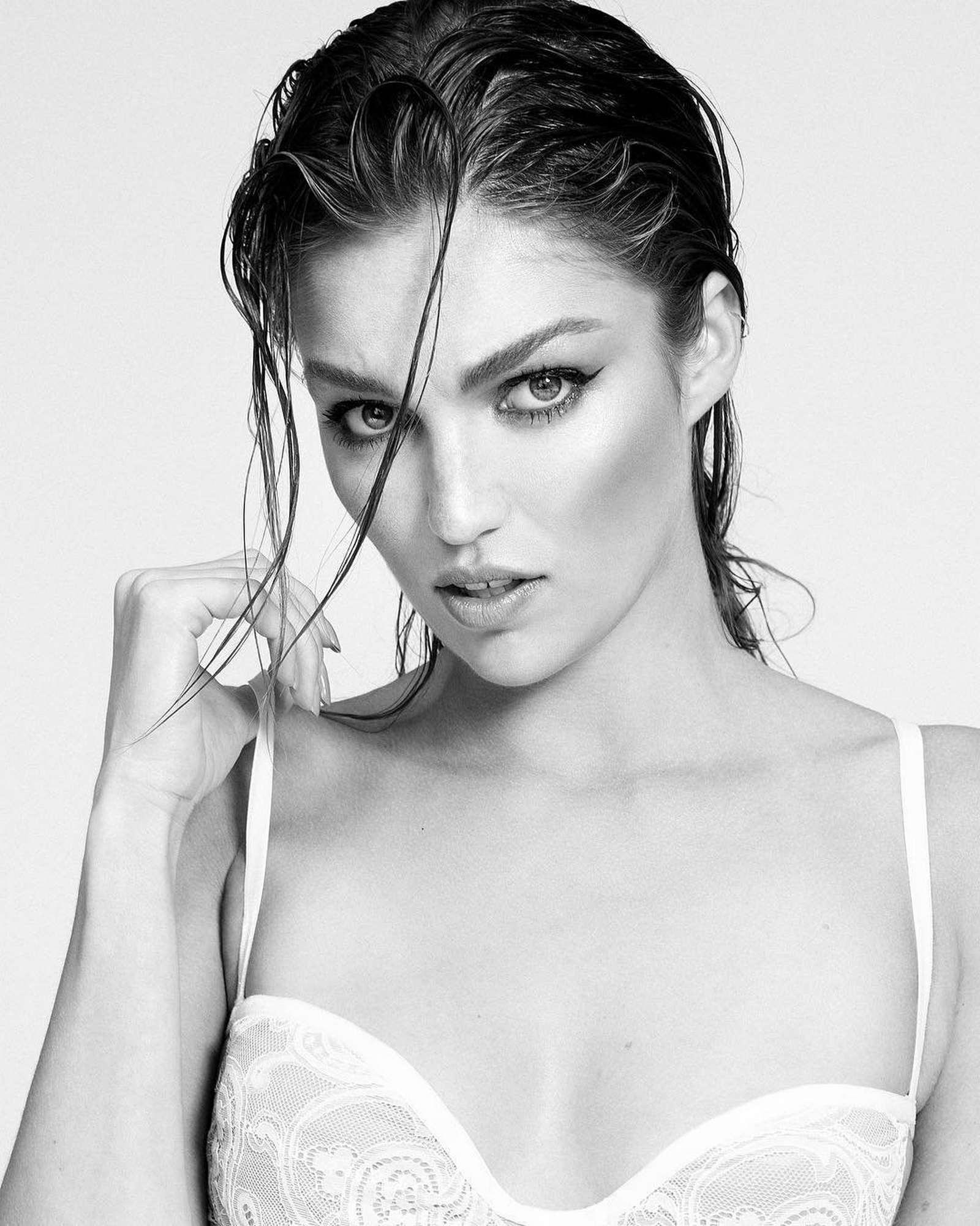 Lili-Simmons-–-Photoshoot-by-Tiziano-Lugli4.jpg