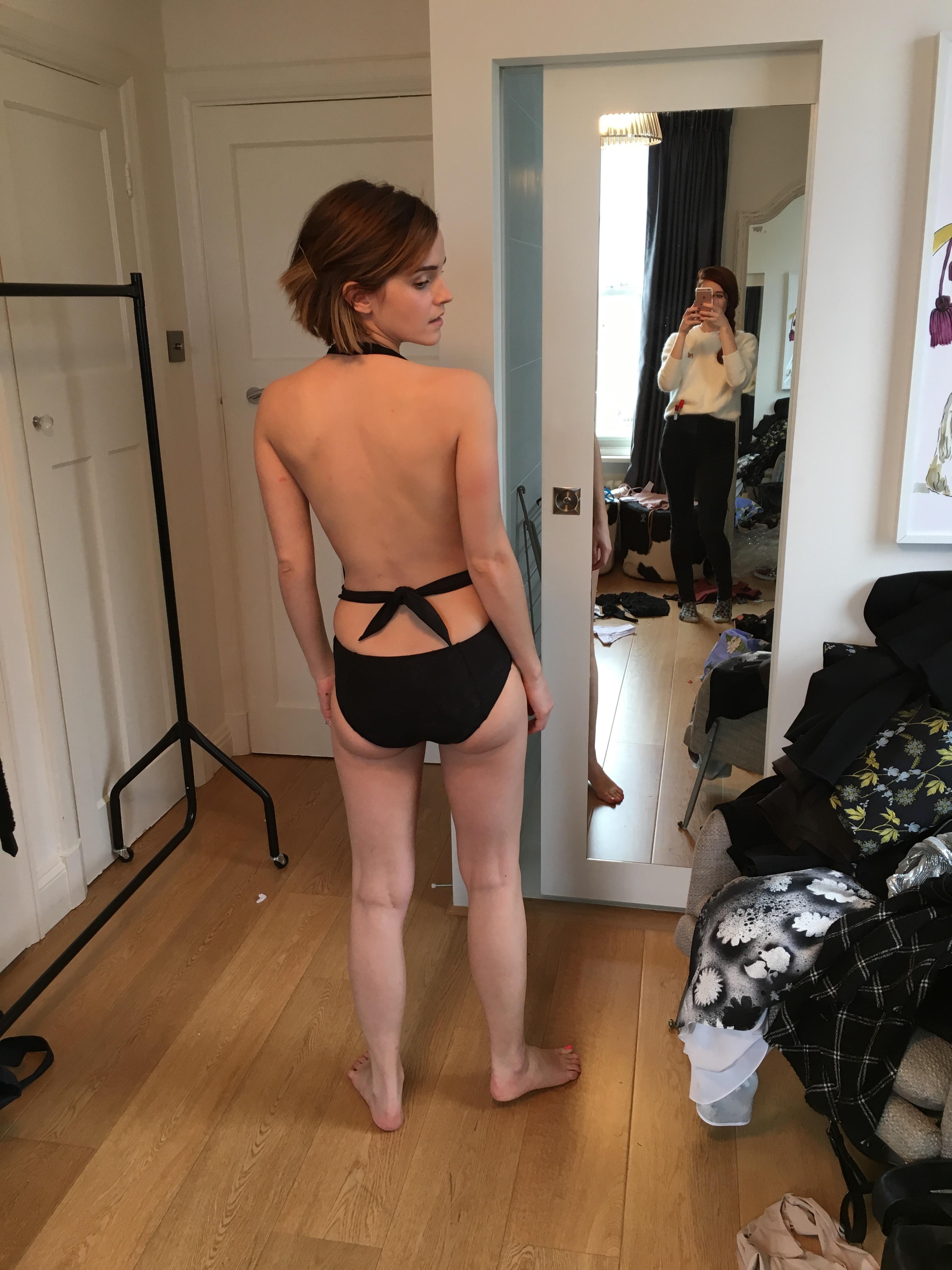 Emma-Watson-topless-pic-A5EJSN.jpg