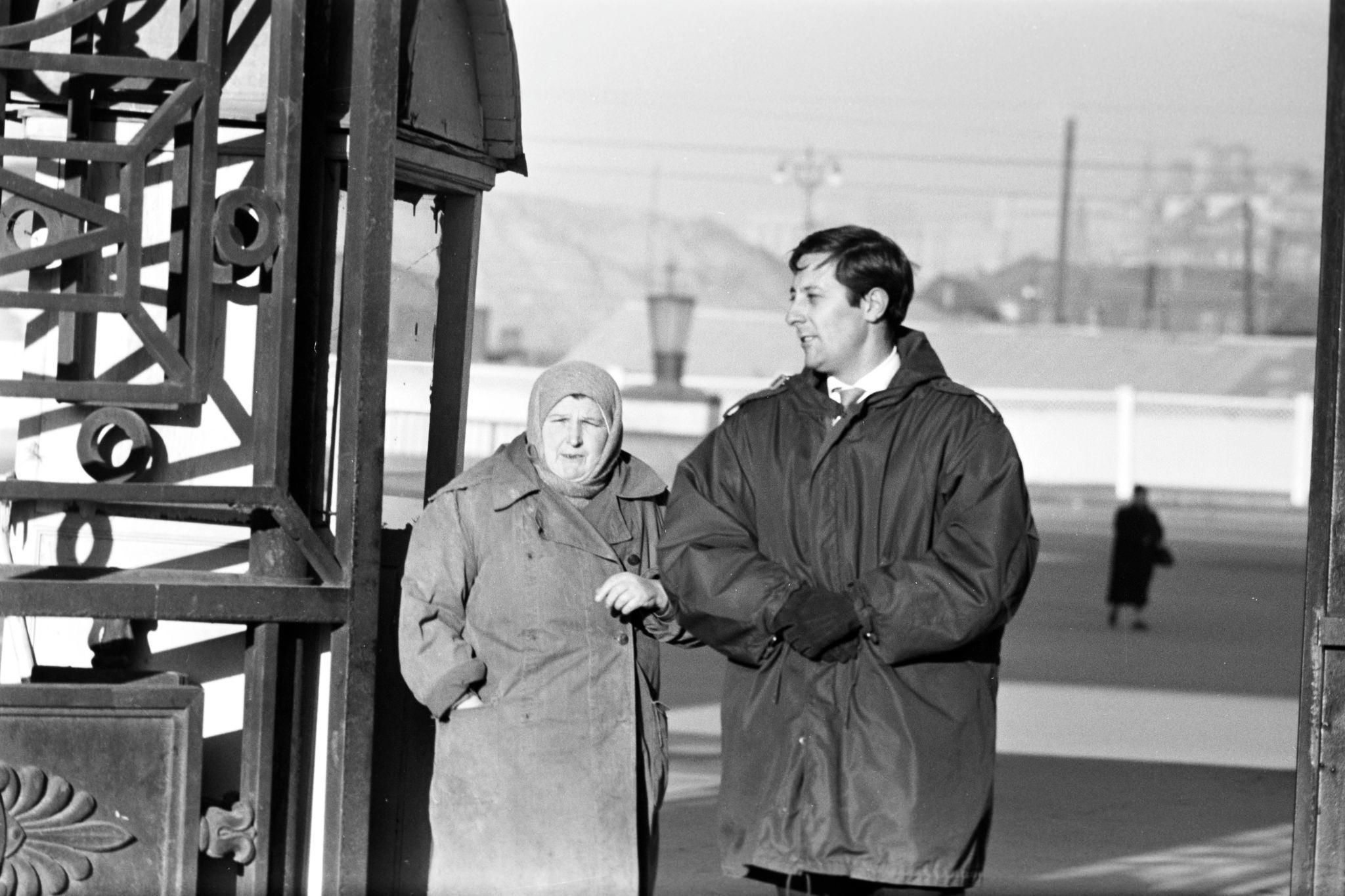 1959. Жан Рошфор в Москве (2).jpg