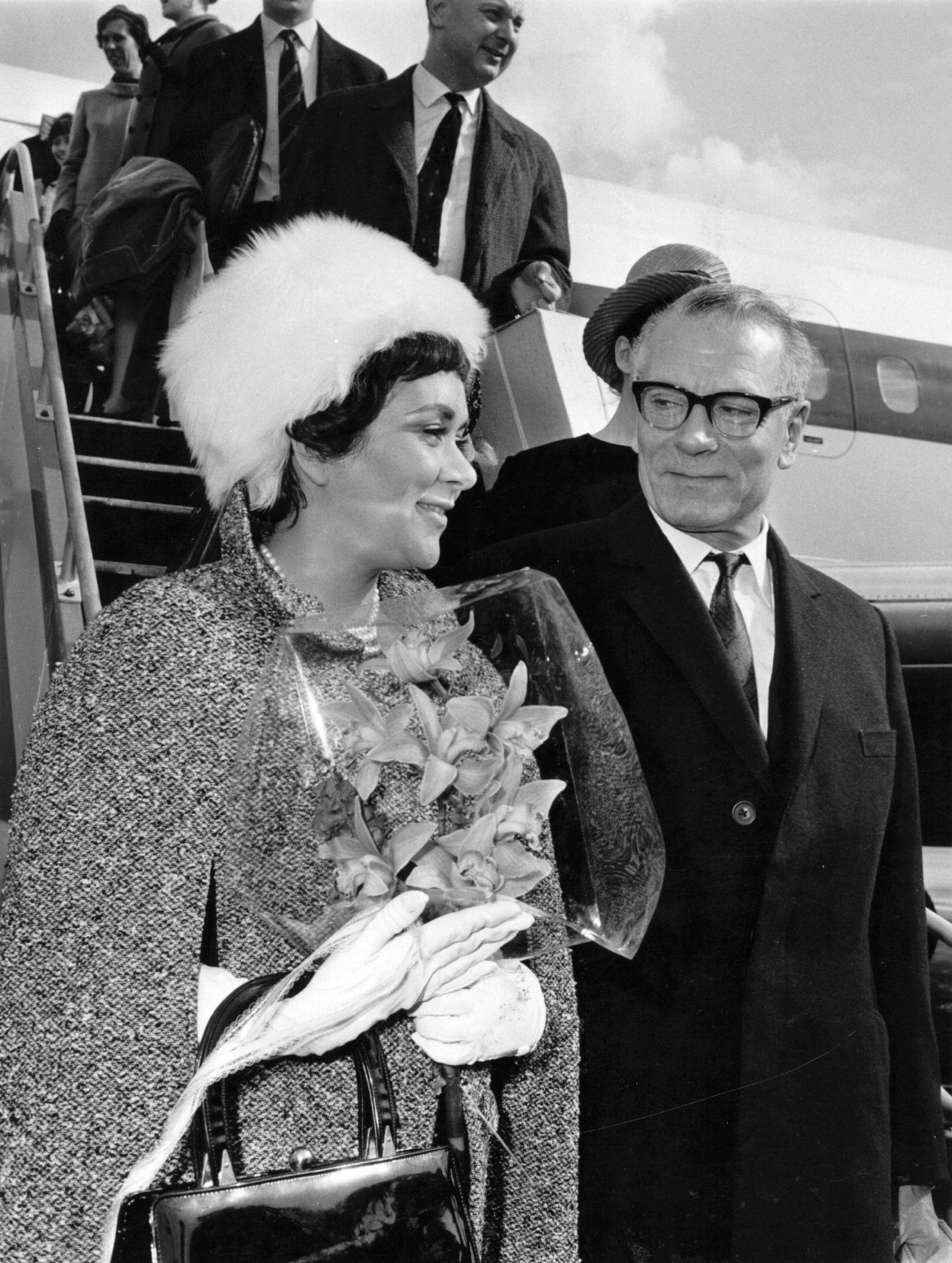 1965. Британский актер и режиссер Лоуренс Оливье и его жена, актриса Джоан Плурайт, приехали в Москву на экскурсию. 29 сентября.jpg