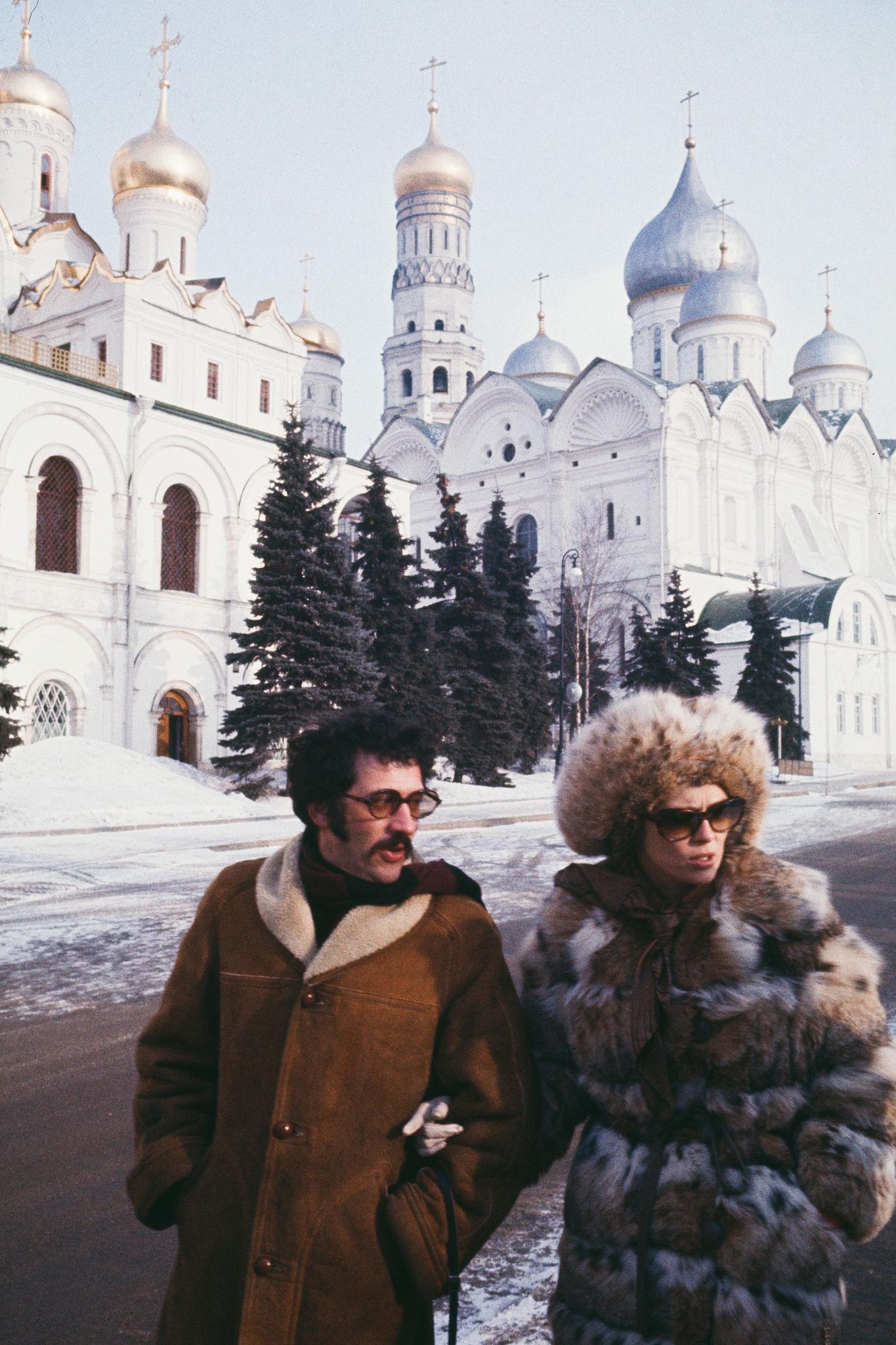 1968. Фэй Данауэй и Джерри Шацберг в Кремле..jpg