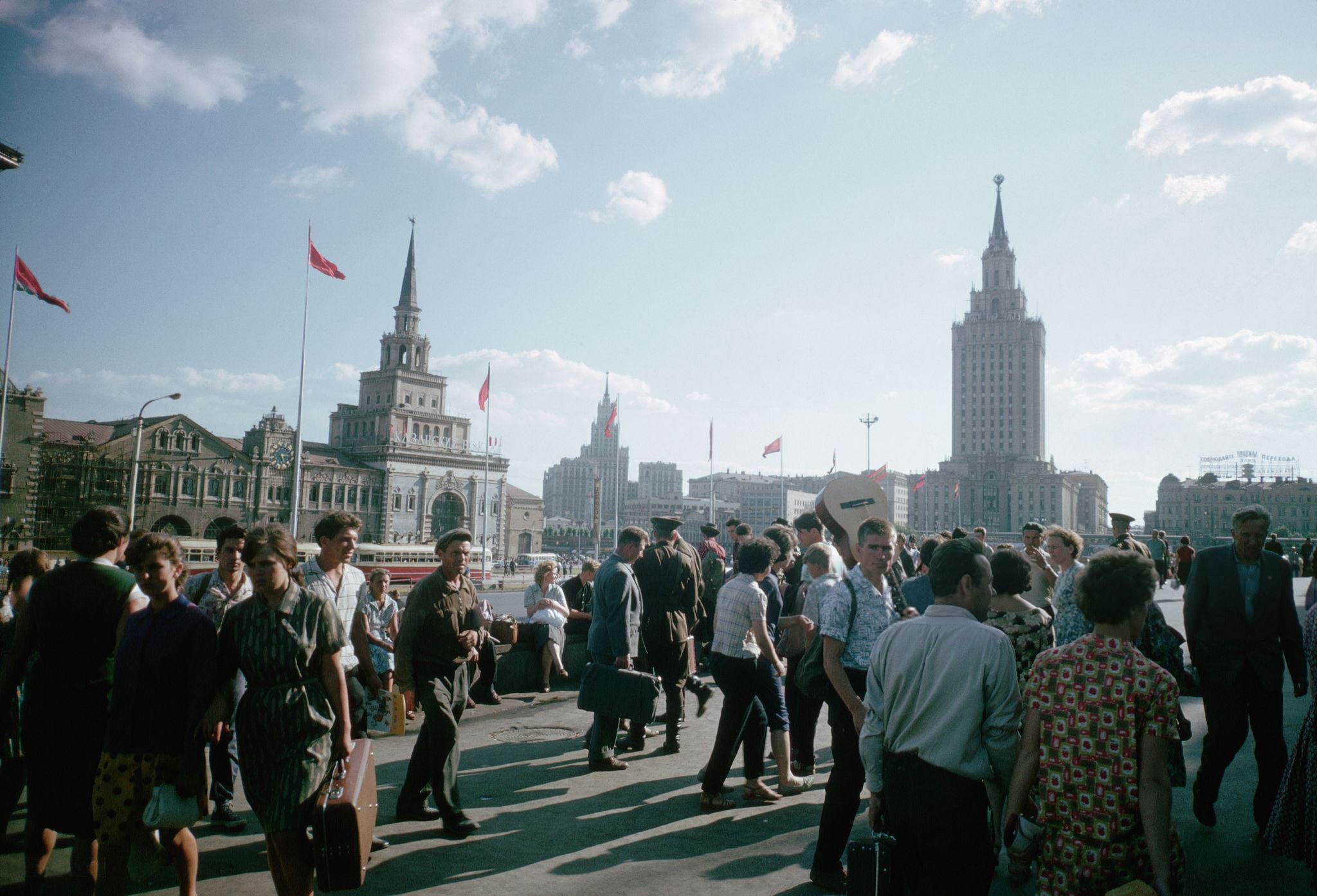 Комсомольская площадь. 1964.jpg