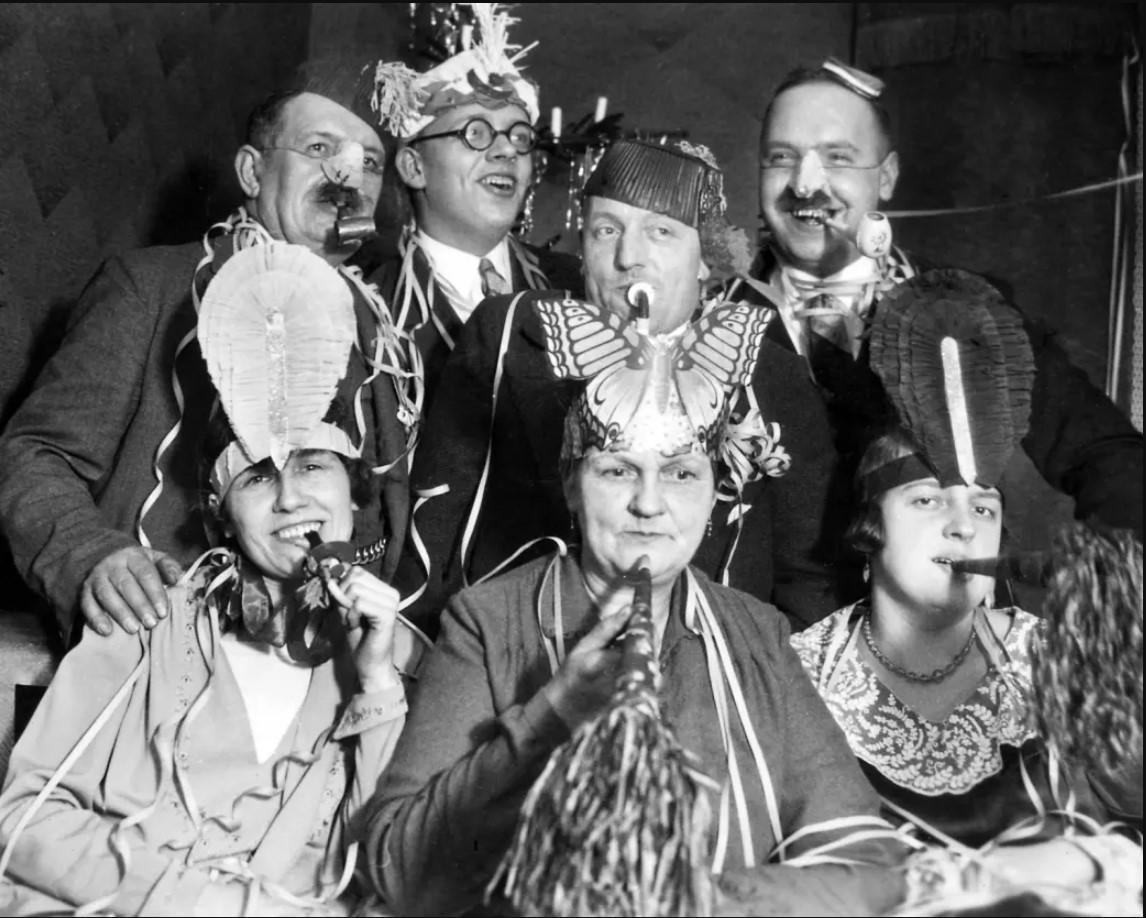 1930. Вечеринки в Германии, 1 января.jpg