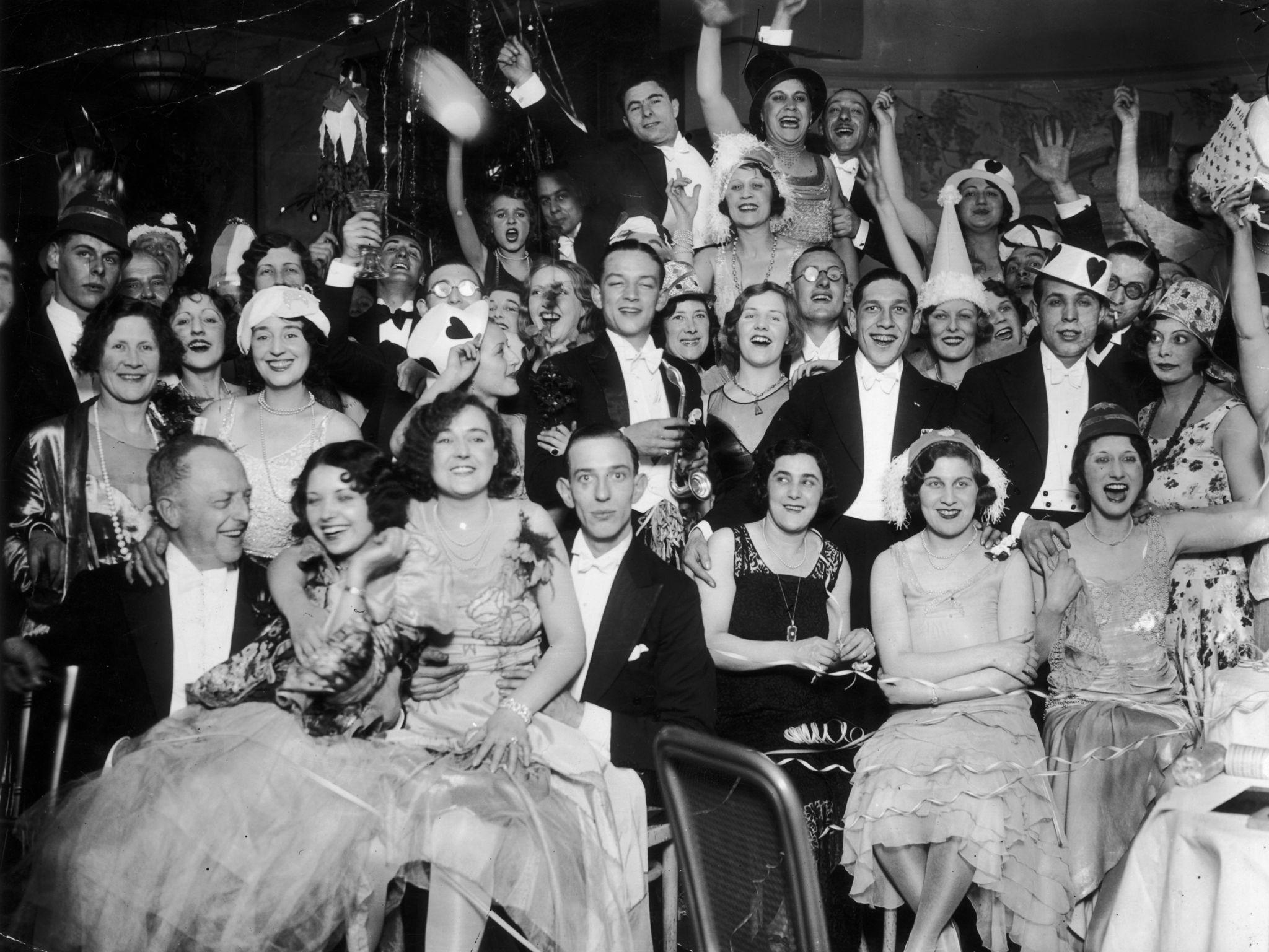 1930. Новогодняя вечеринка в ресторане Довиль, Риджент-стрит, Лондон. 1 января.jpg