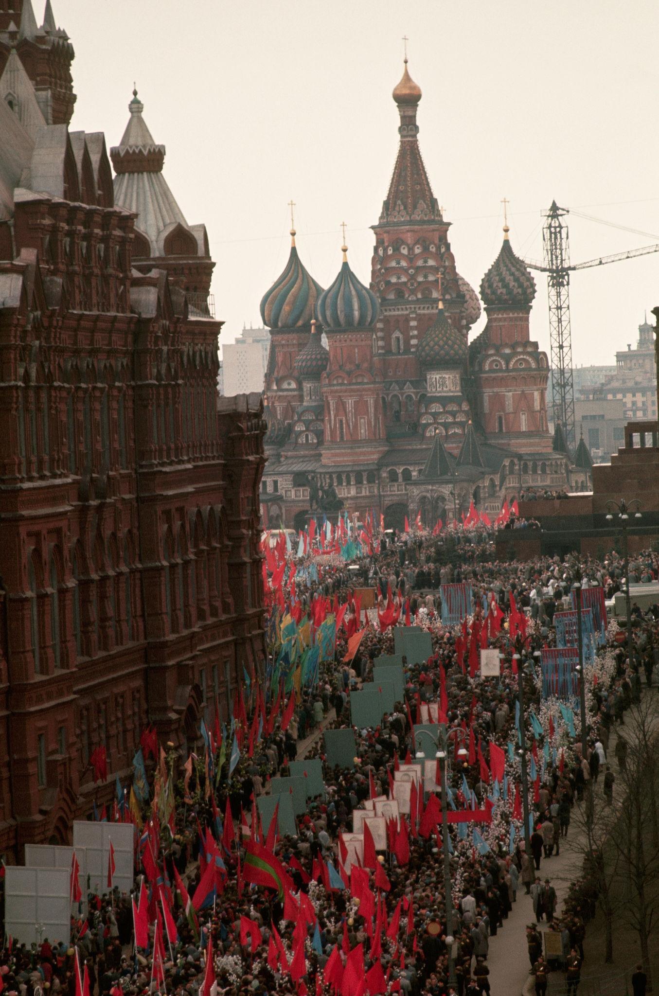 Первомайская демонстрация. 1964 (5).jpg
