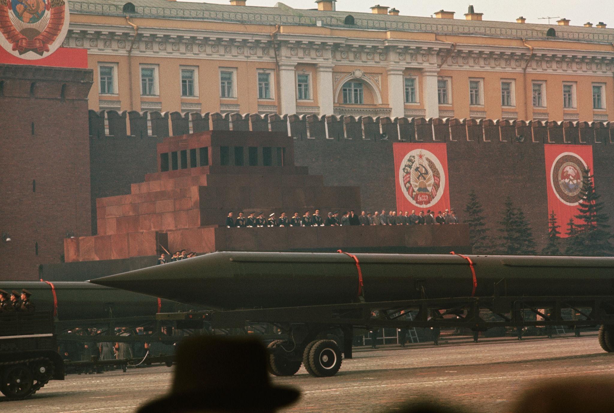 Первомайский военный парад. 1964 (3).jpg