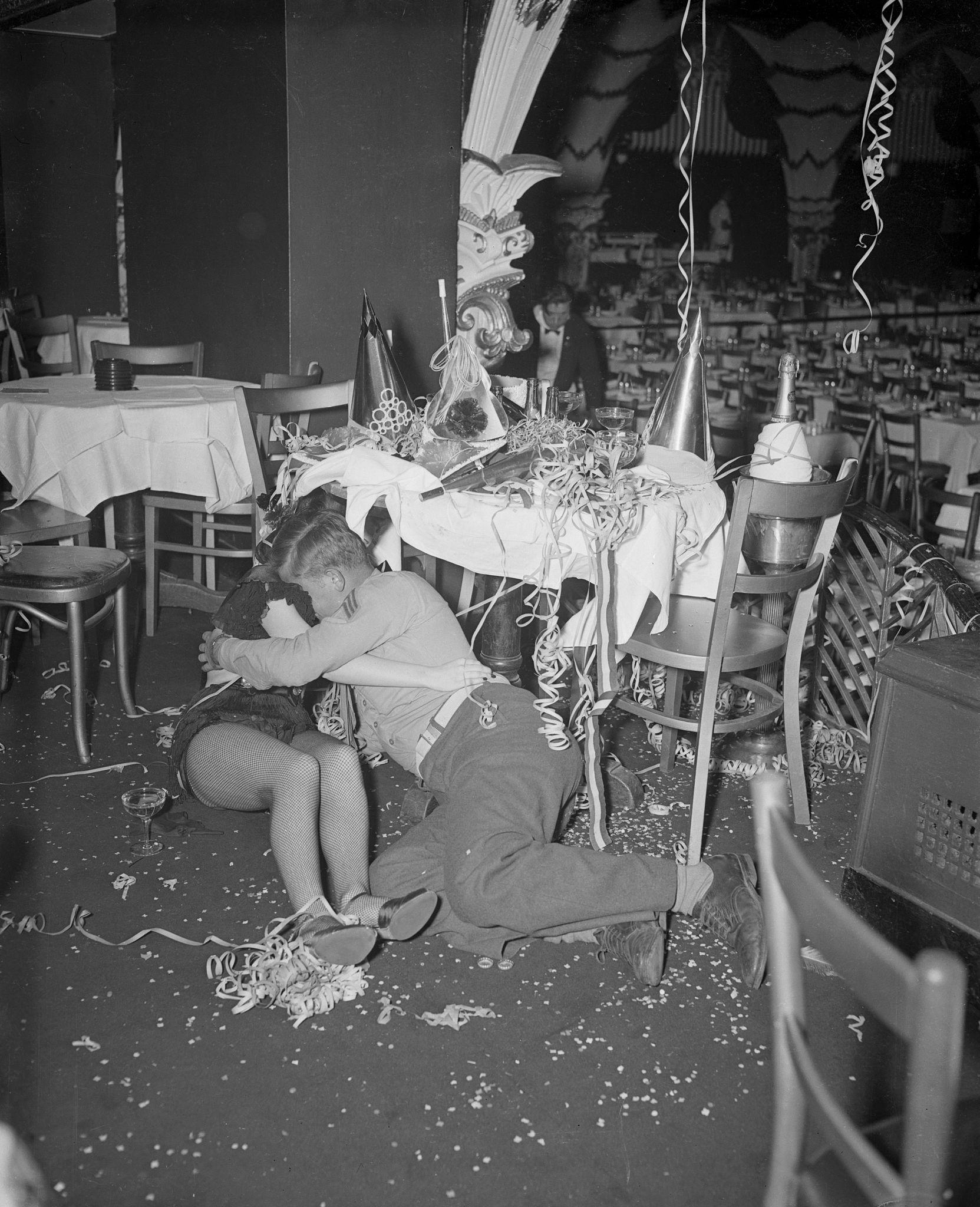1949. Новый год в Копакабане.jpg