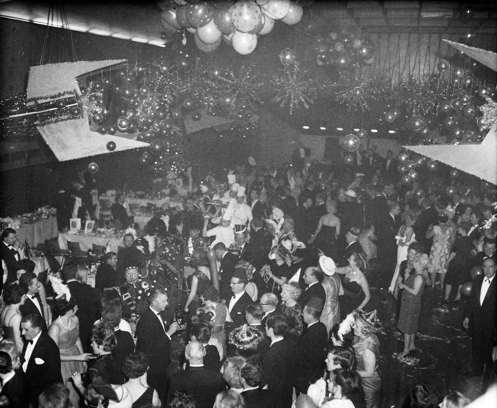 1963.Новогодний бал в отеле Leofric, Ковентри, 31 декабря.jpg
