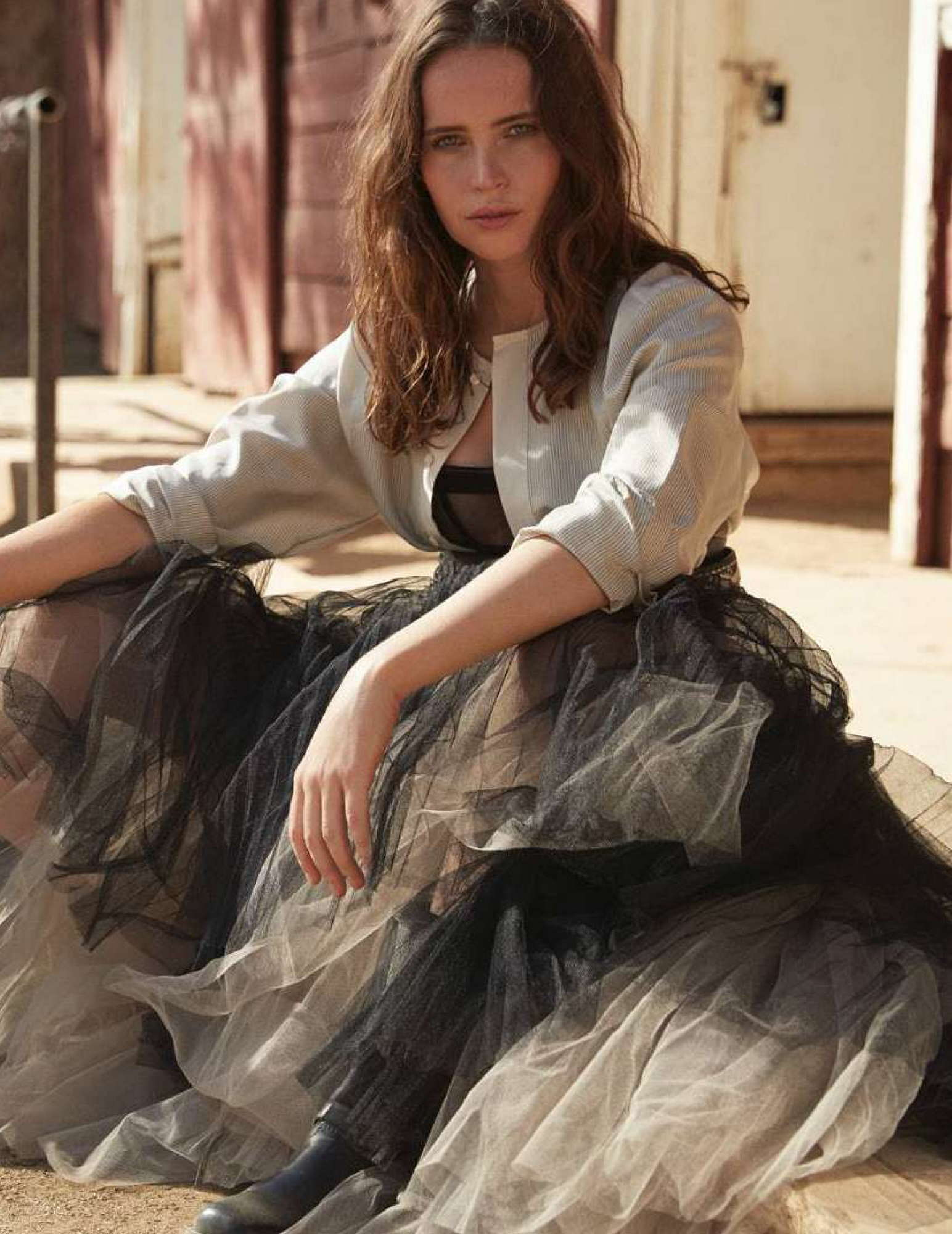Felicity-Jones-Madame-Figaro-28-December-20184.jpg