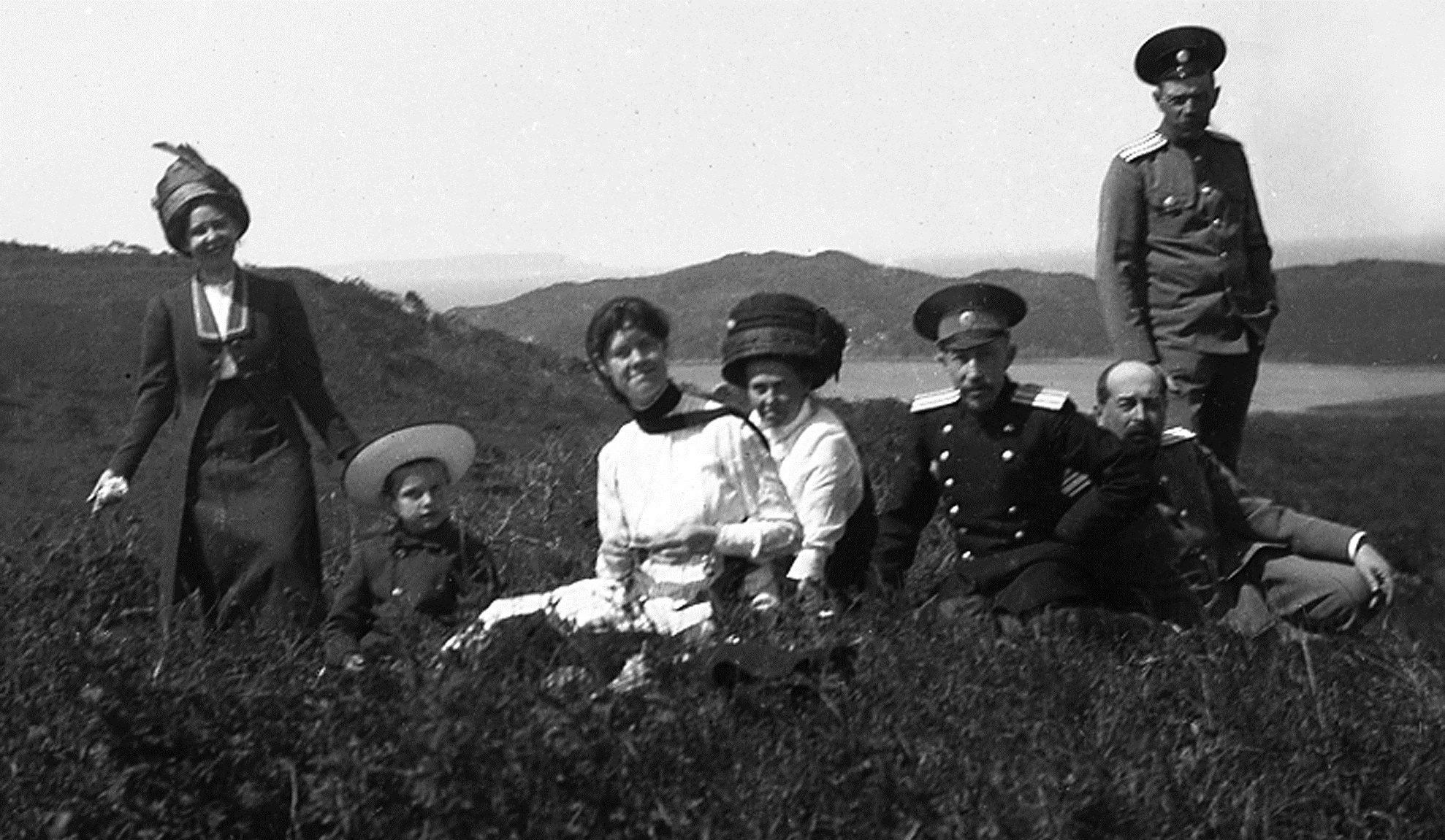 Отдых на Русском острове. 1913