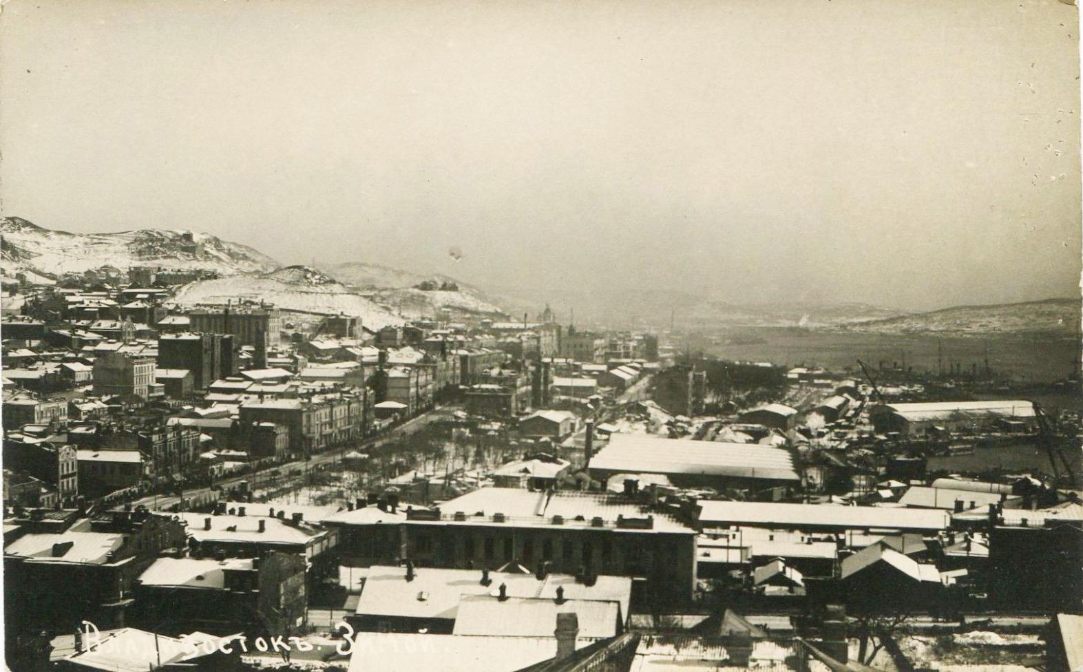 Вид на зимний Владивосток