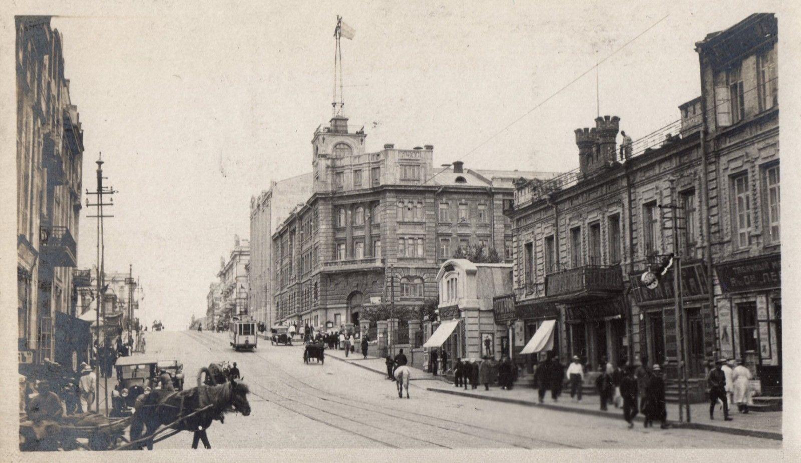 Светланская улица в районе Морского штаба
