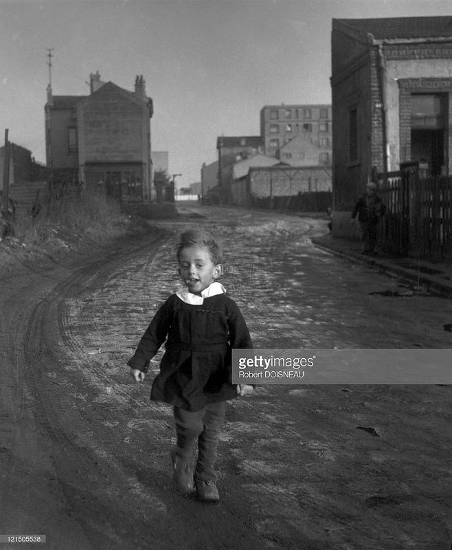 1945. Ребенок в Обервилье, Парж