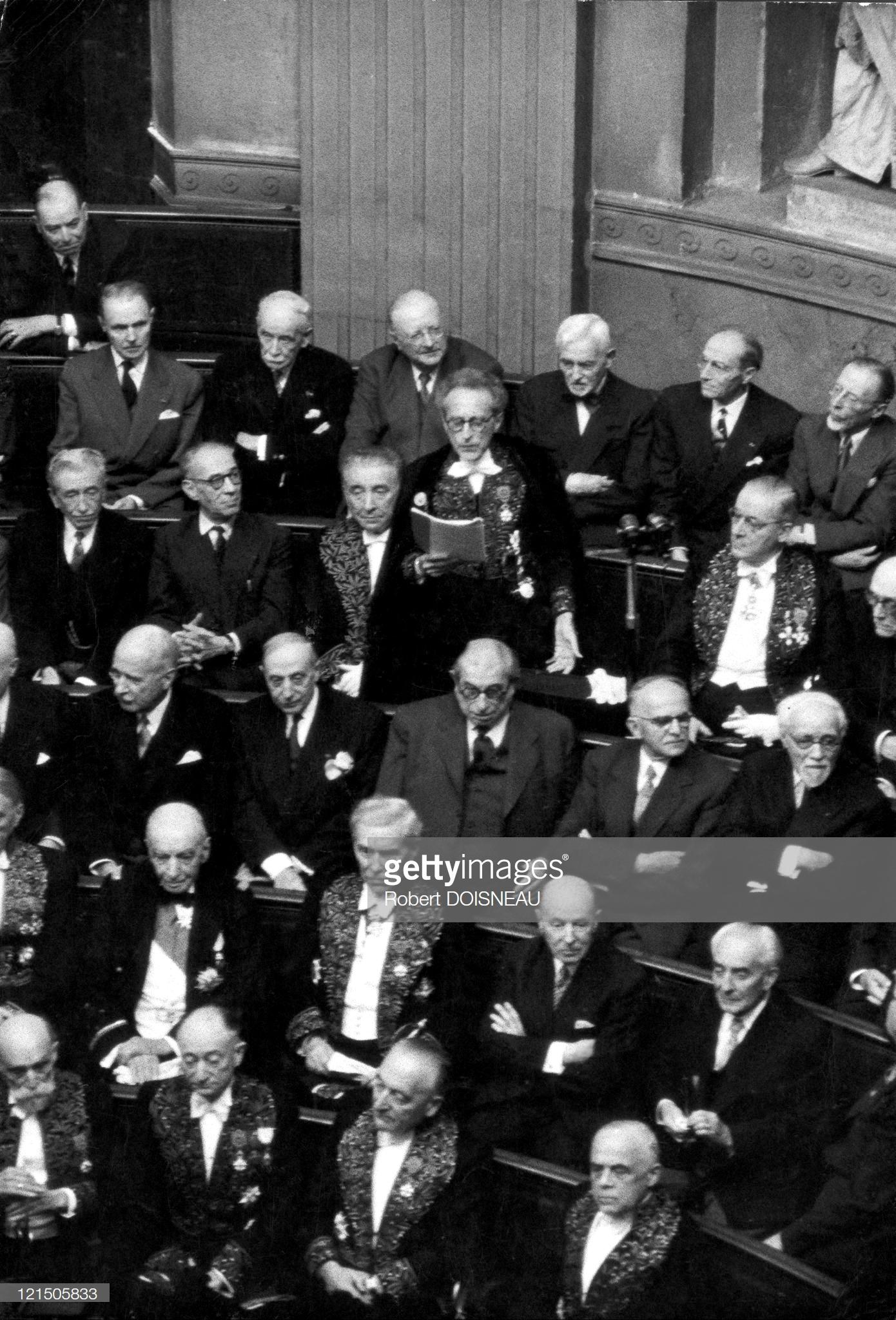 1955. Жан Кокто читает приветственную речь во Французской Академии