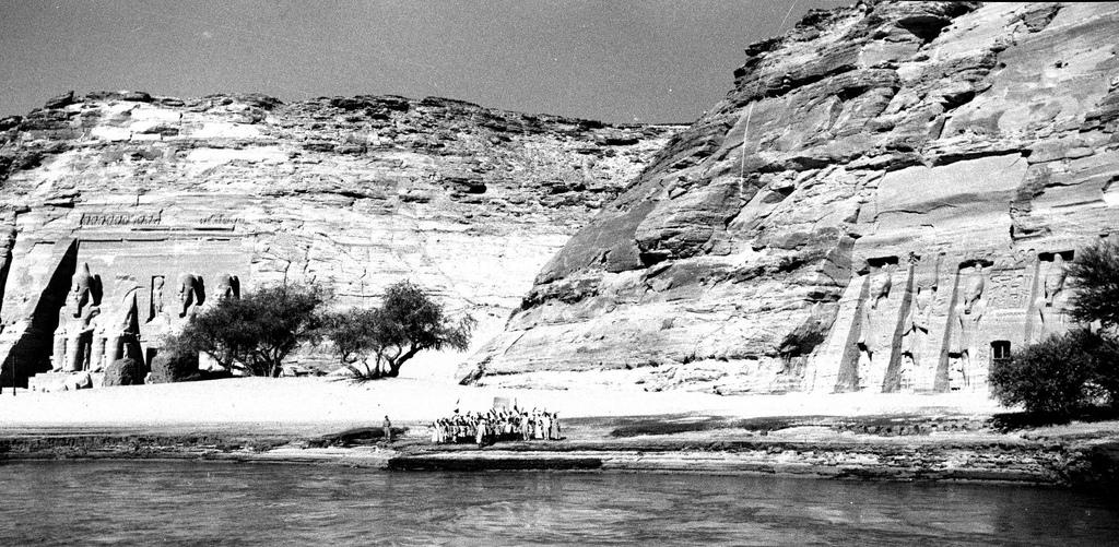 1920-е. Два больших скальных храма в Абу-Симбел, деревне в Нубии, Южный Египет