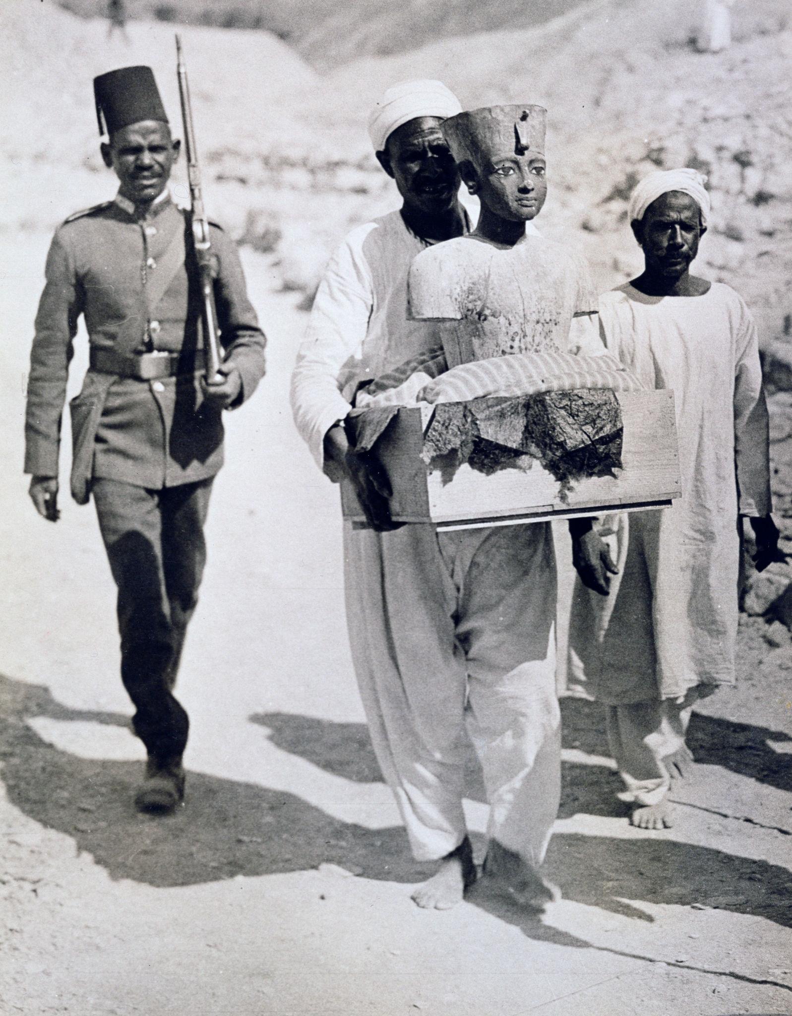 1922. Манекен или бюст Тутанхамона, вывезенный из его гробницы. Долина Царей