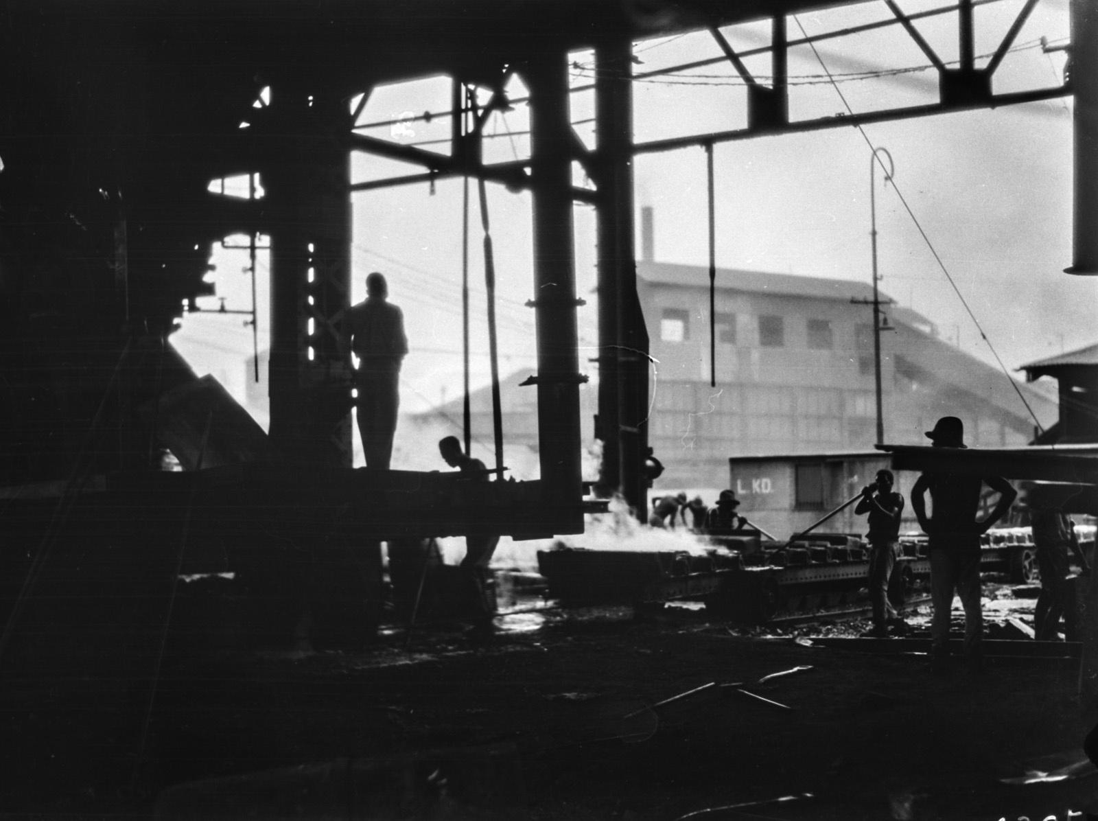 Элизабетвиль. Вид на внутреннюю часть здания шахты.