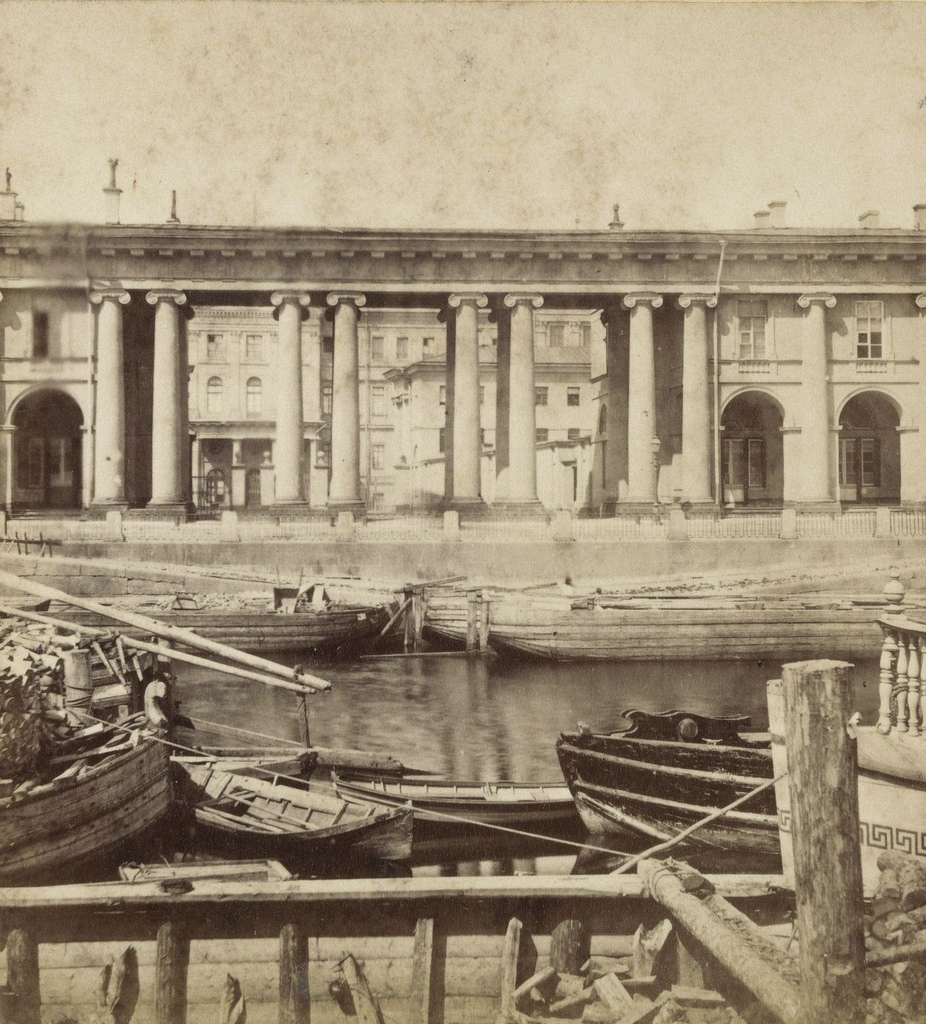 Аничков дворец с Фонтанки