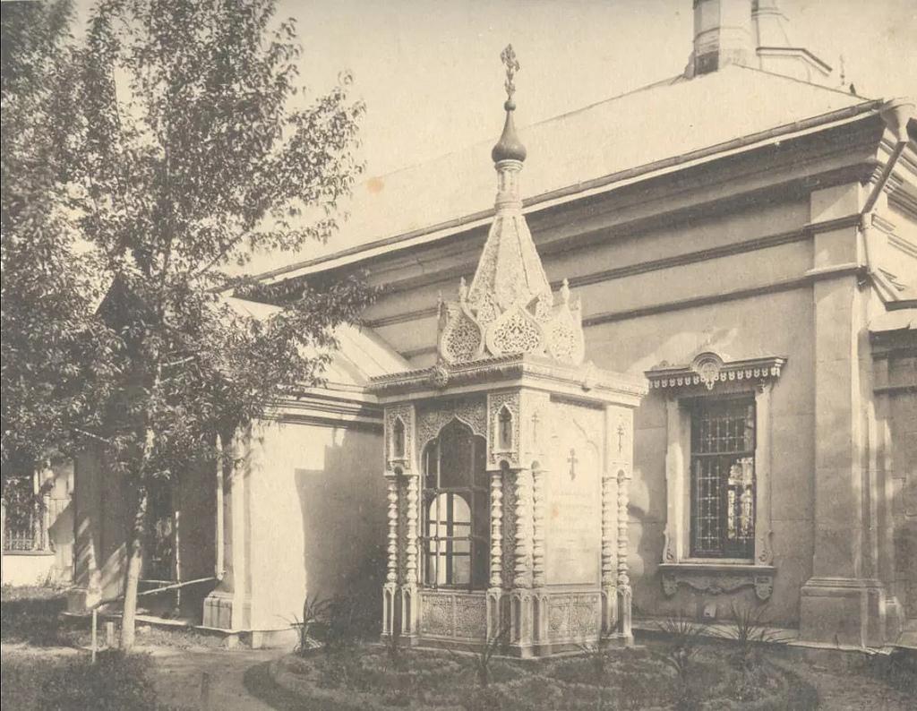Могила Александра Петровича Коновалова у Богородицкой церкви с. Бонячек