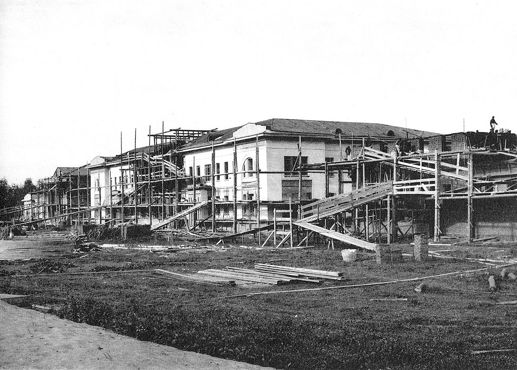 Редкие фото строений столетия