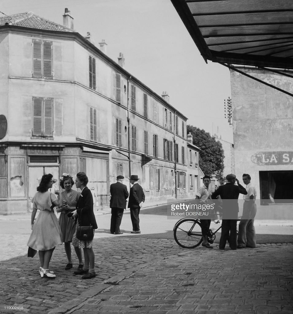 1940. Парижский пригород