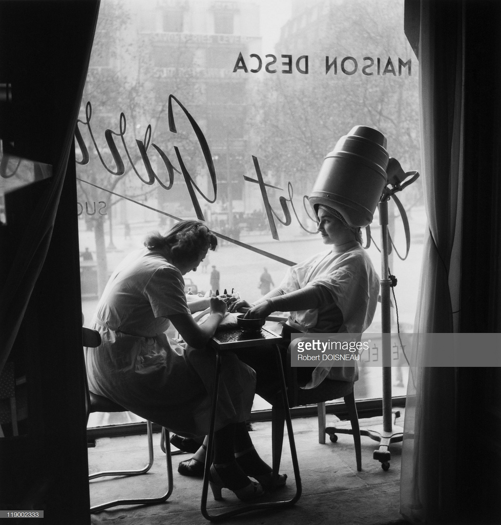 1946. В парихмахерской