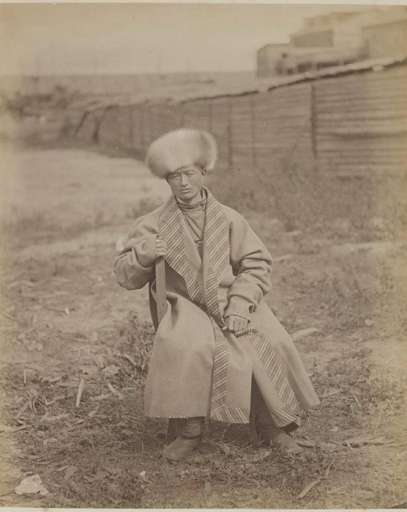 Бухарец