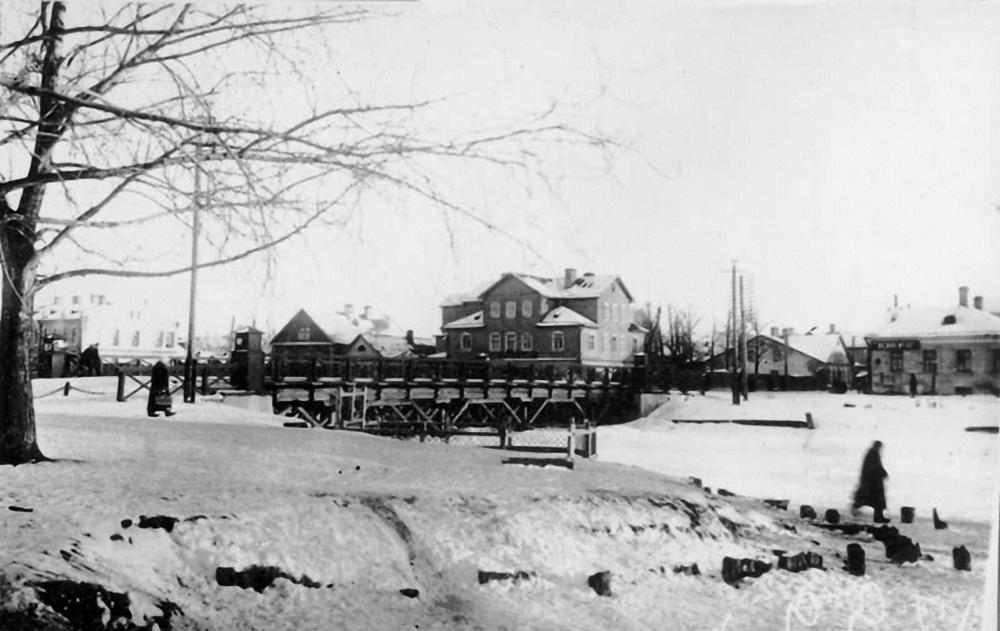 Вид на Никольский мост