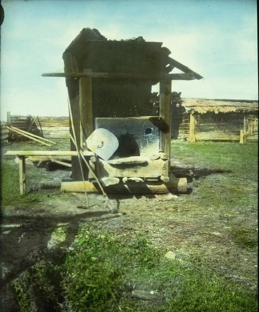 Печь на крестьянском дворе