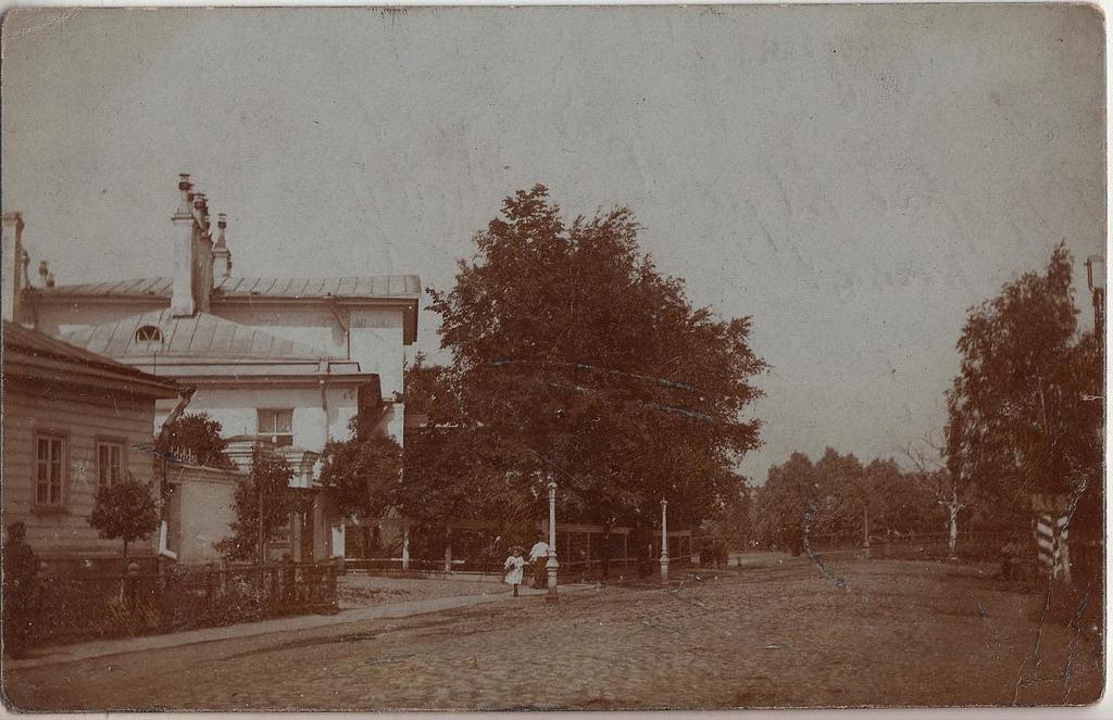Дом начальника Ижорских заводов. Вид на здание от Адмиралтейской ул. 1900-е