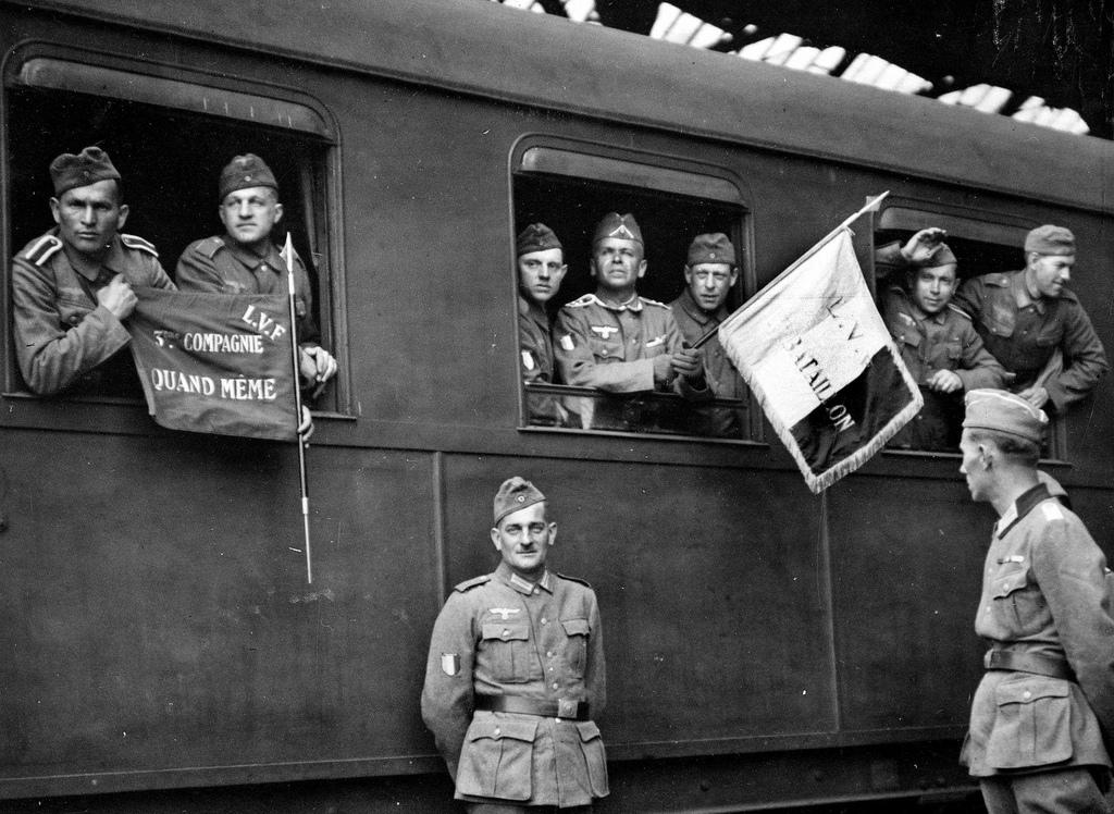 1942. Выезд французских легионеров на восточный фронт. Париж, Восточный вокзал, 18 апреля