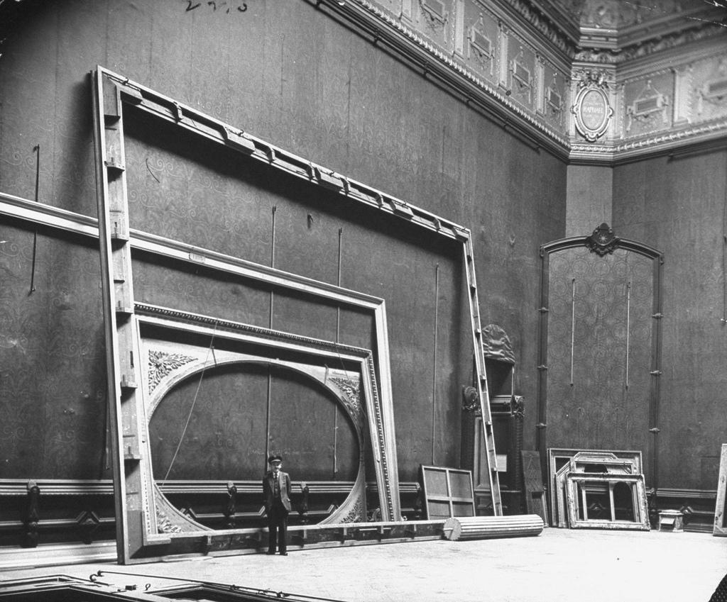 1944. Лувр