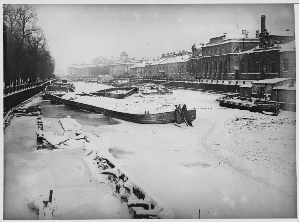 Замёрзшая река Фонтанка. 1900-е