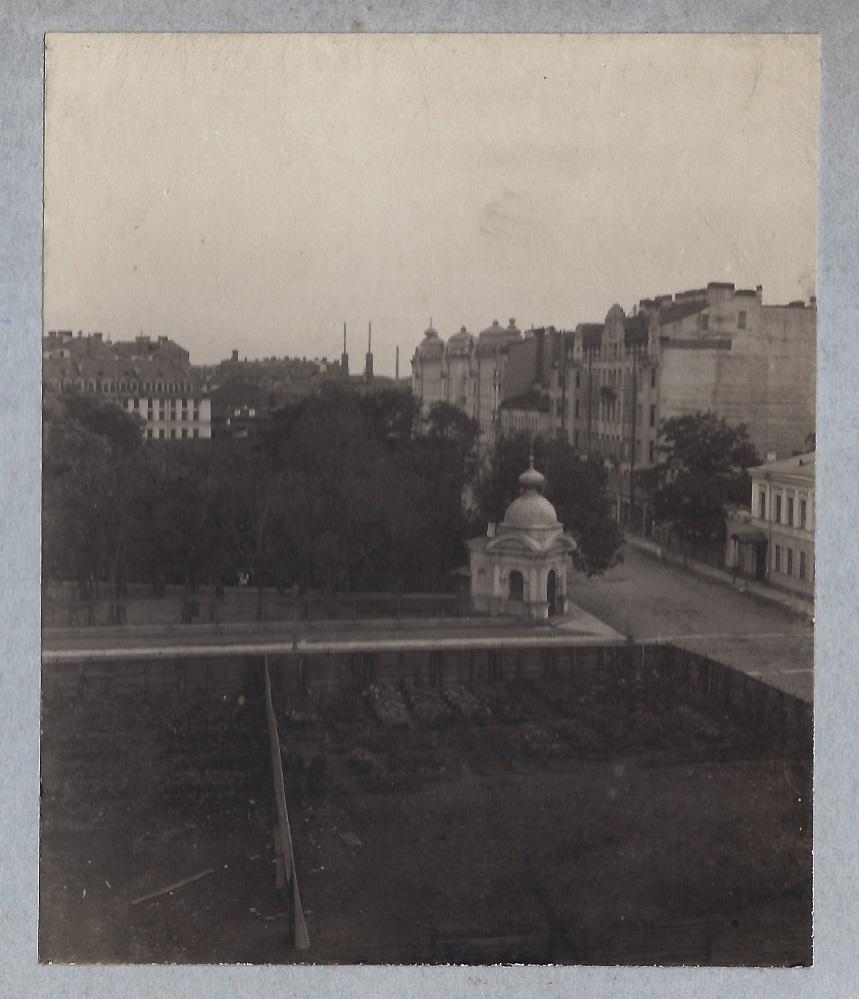 Перекресток Большой Пушкарской улицы и Широкой Матвеевской. 1912
