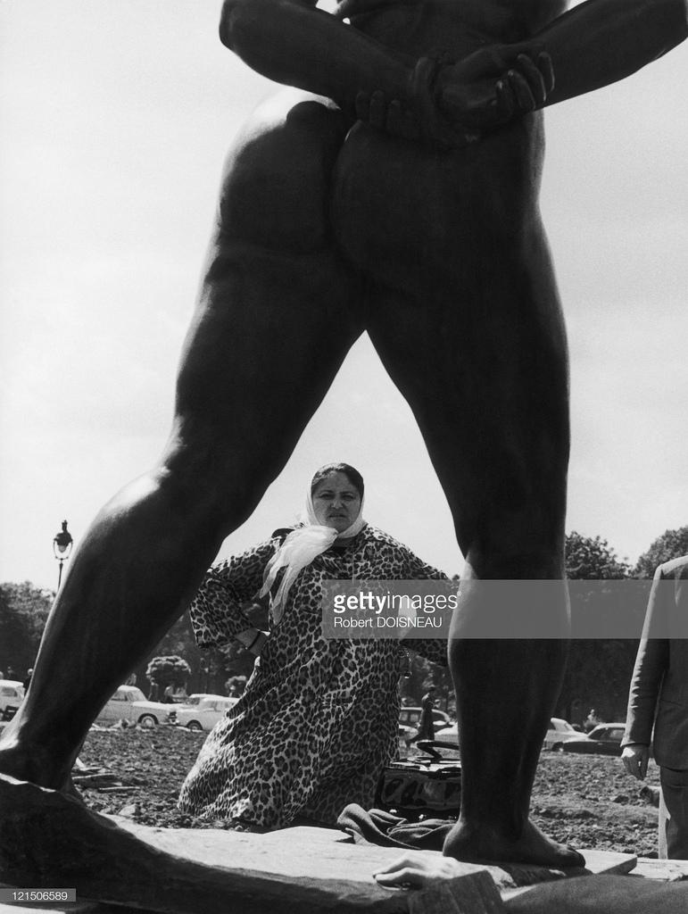 1950-е. Дина Верни из плоти и бронзы