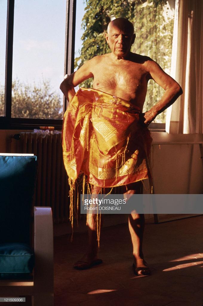 1958. Пабло Пикассо в своей студии