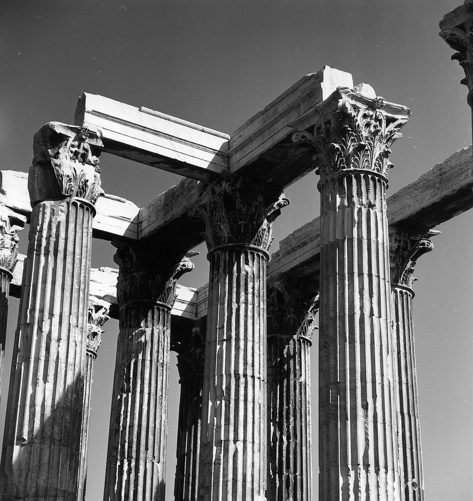 Олимпиеон. Коринфские колонны и архитрав