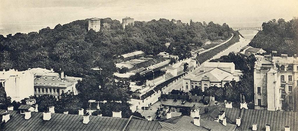 Вид на Царский сад с птичьего полета