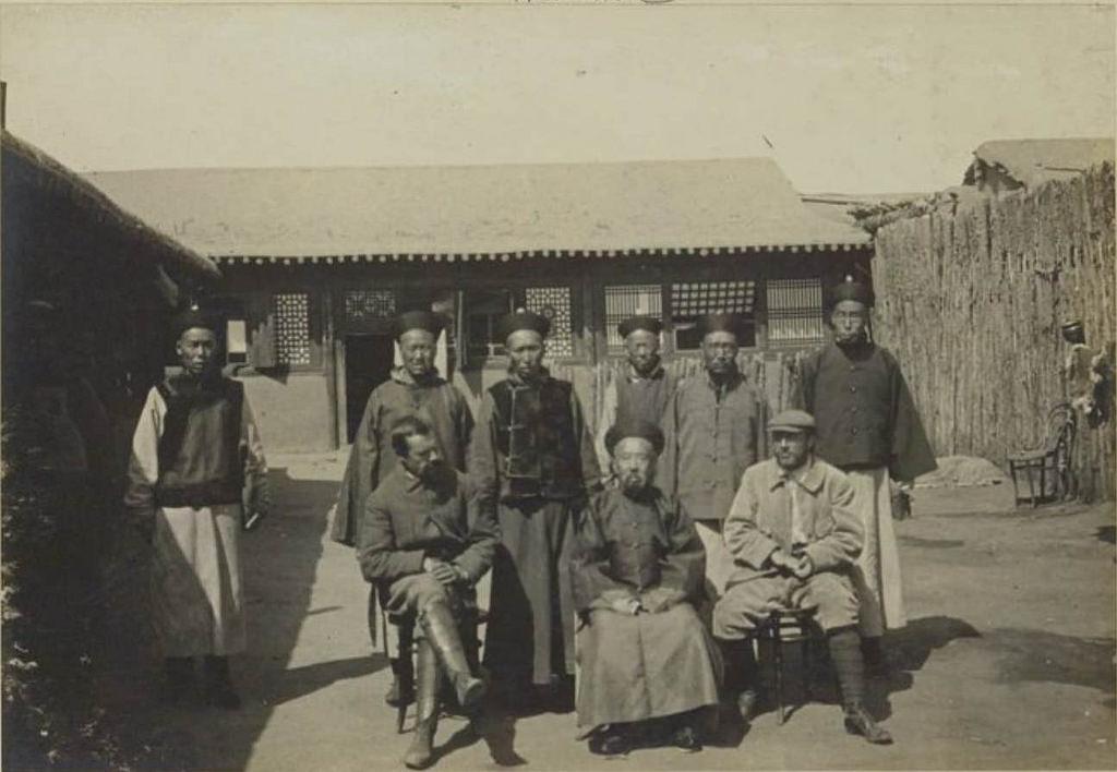 28. Генерал-губернатор Монголии между Доктором и Забихой, 29 августа